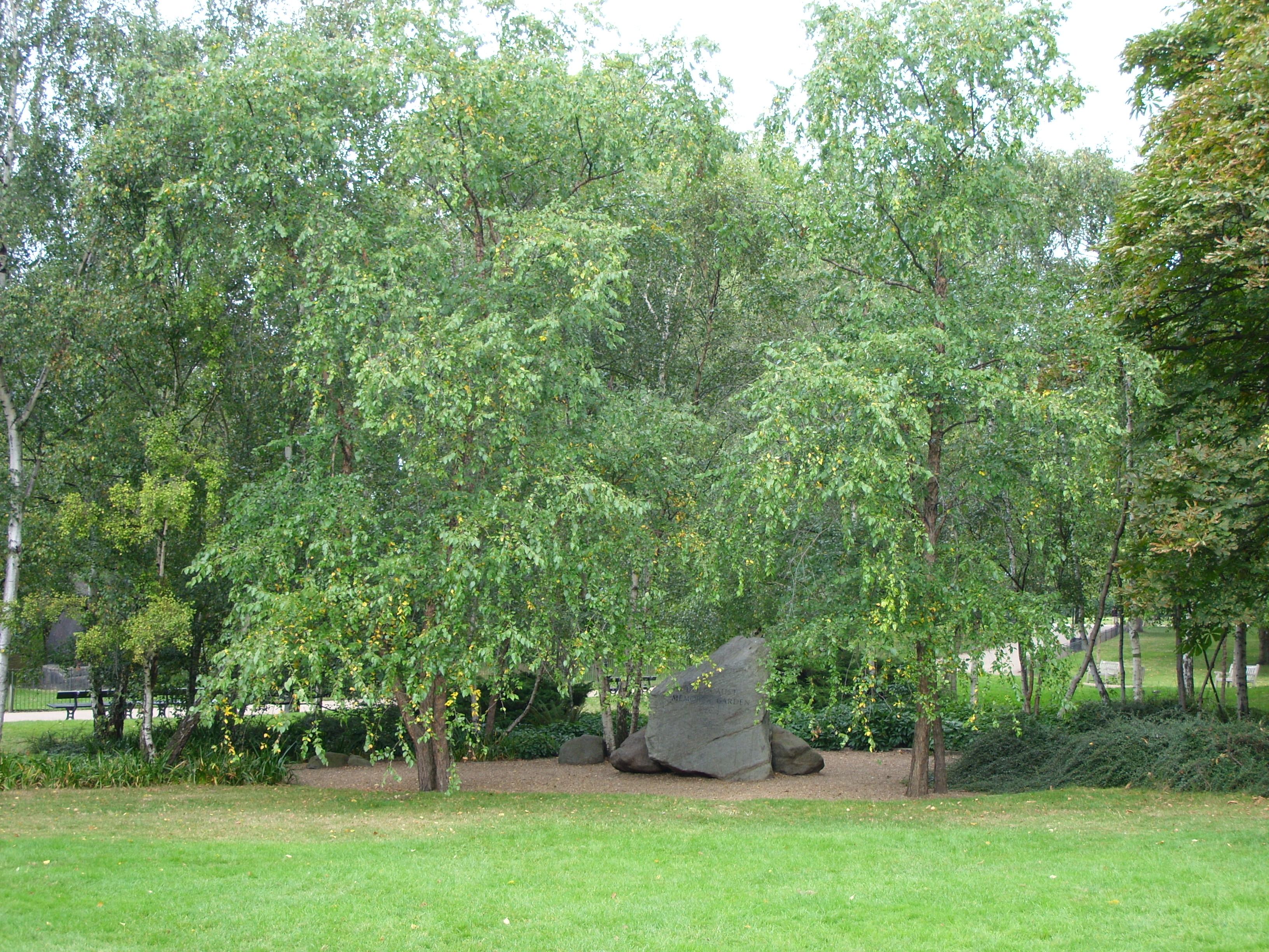 Hyde Park Monuments Holocaust Mem Hyde Park.jpg