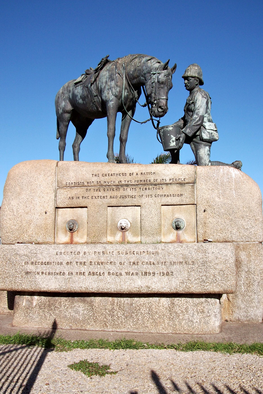 File horse memorial cape road port elizabeth south - Population of port elizabeth south africa ...