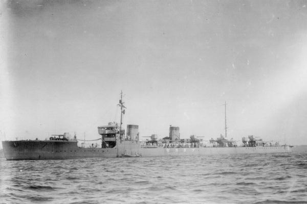 IJN DD Nadakaze in 1922 off Yokosuka