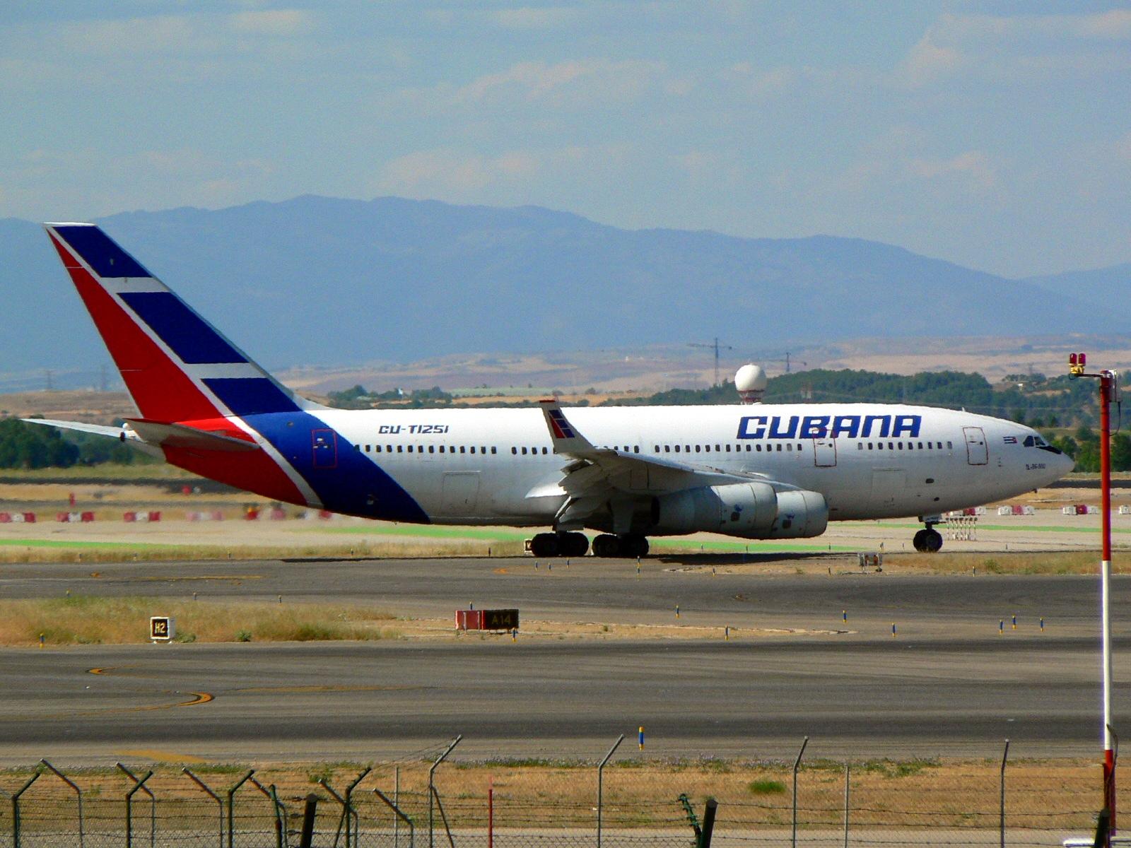 File Ilyushin Il 96 300 De Cubana De Aviación Jpg Wikimedia Commons