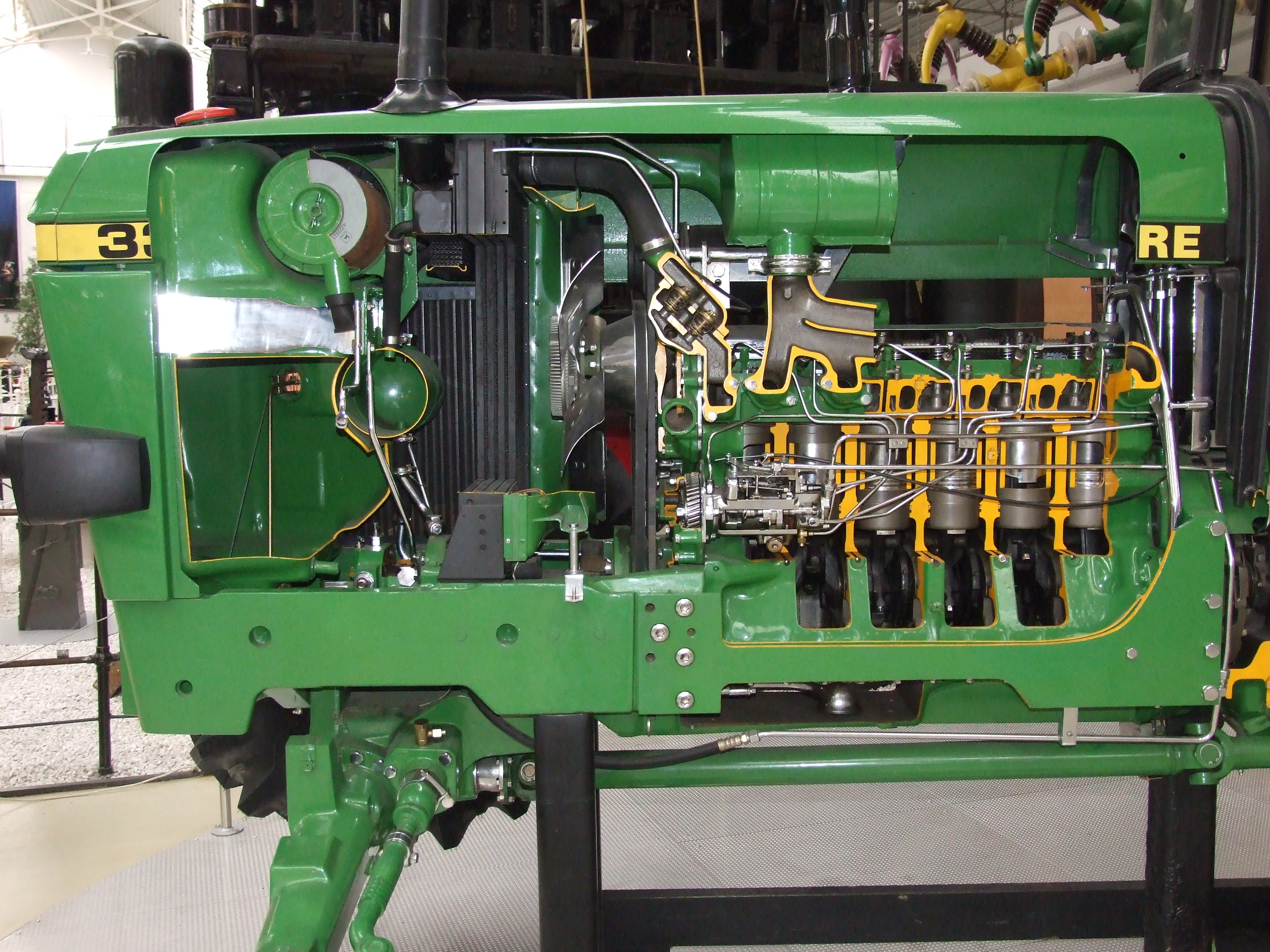 John Deere Engines : File john deere tractor cut engine g