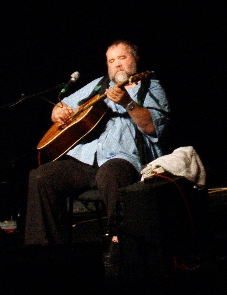 John Martyn tocando en Vicar Street, Dublín.