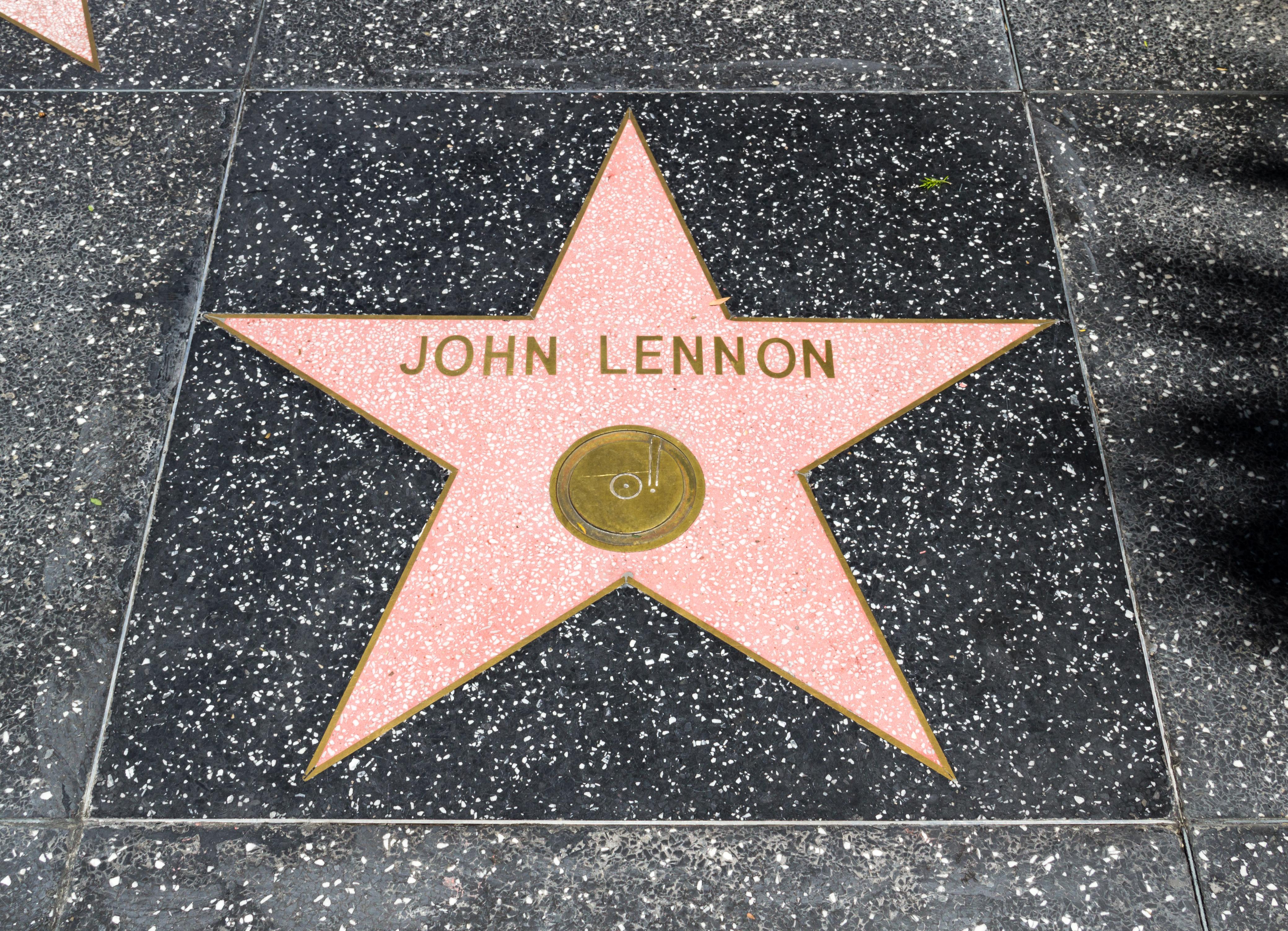 Estrella de John Lennon en el Paseo de la Fama de Hollywood.