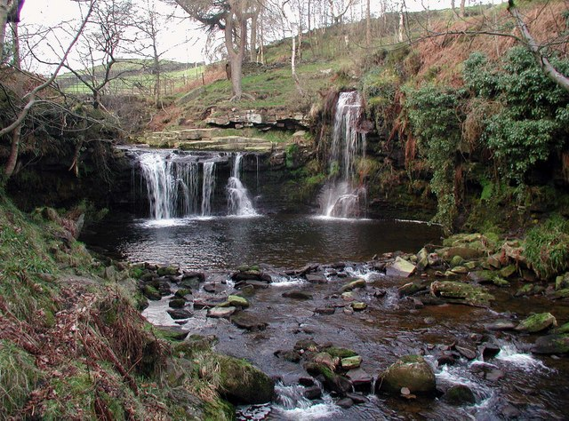 Lumb Hole Waterfall - geograph.org.uk - 368053
