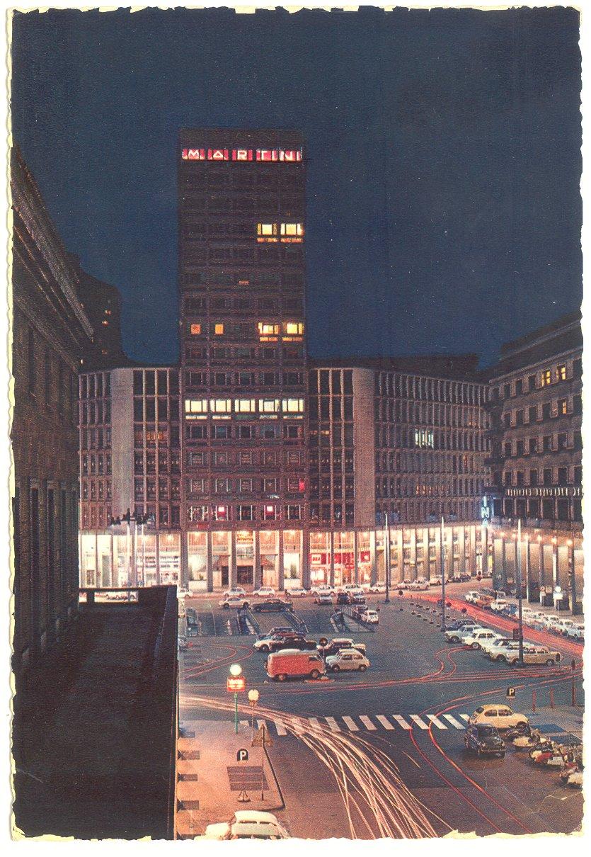 File:MI-Milano-1964-piazza-Diaz-terrazza-Martini-notturno.jpg ...