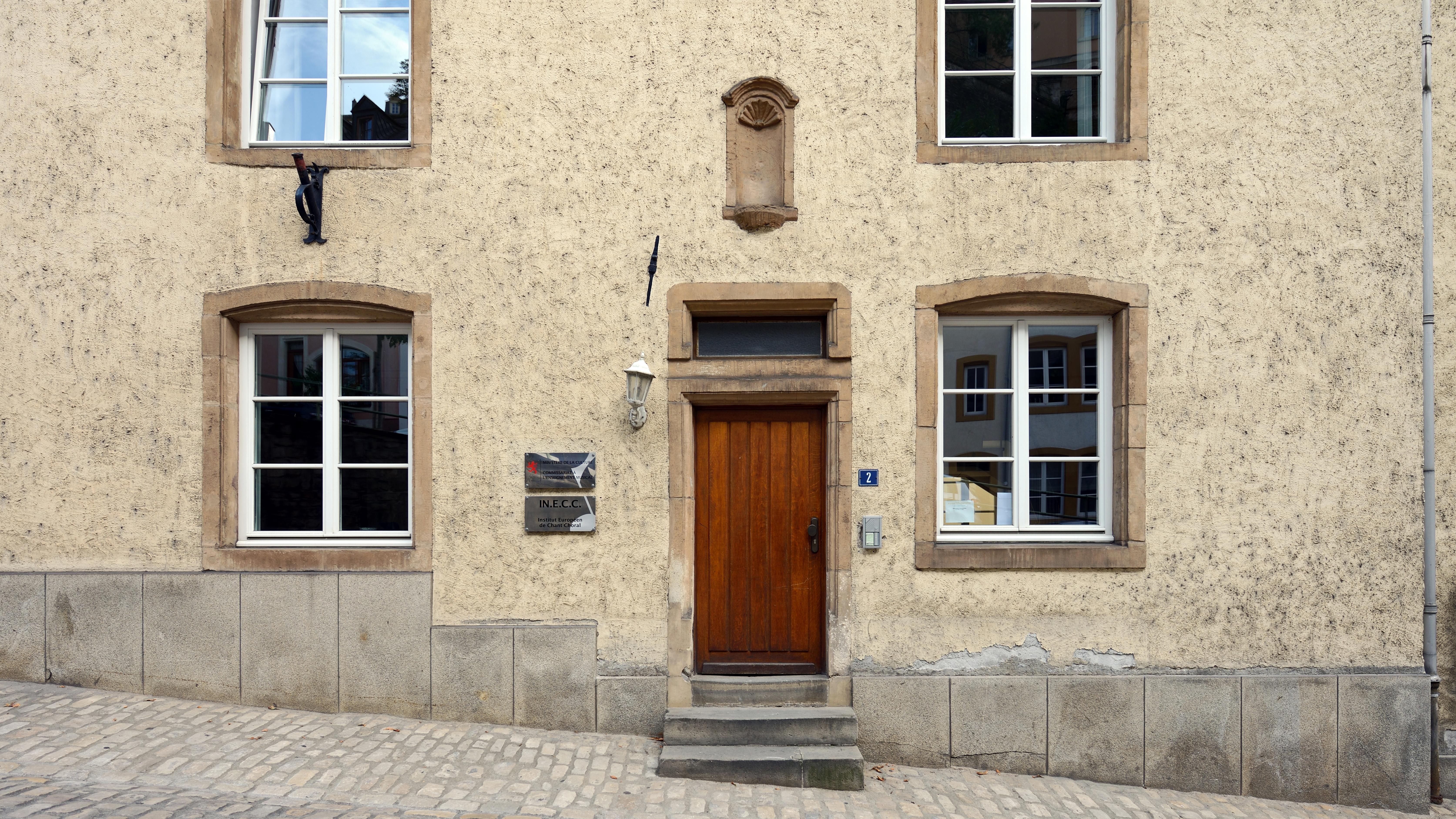 File maison van der vekene luxembourg grund entr e 2012 for Maison moderne luxembourg wikipedia
