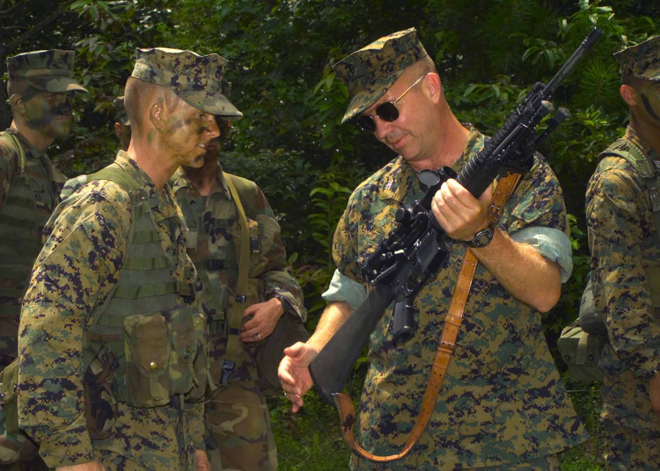 File:Marines-with-sniper-rifle-3.jpg - Wikimedia Commons