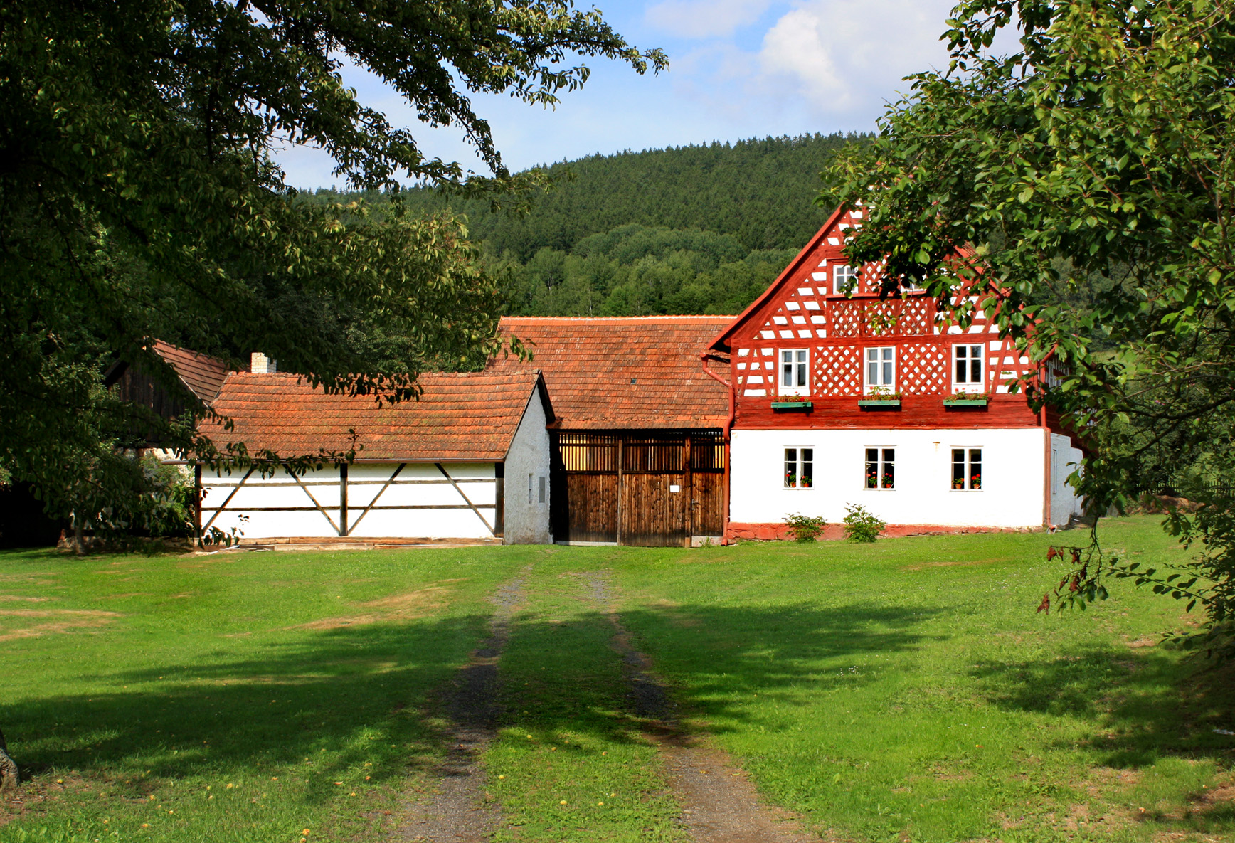 File Milkov old farm Wikimedia mons