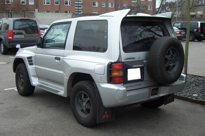 File:Mitsubishi Pajero Evolution Gen2 V55W 1997-1999 backleft 2012-03-04