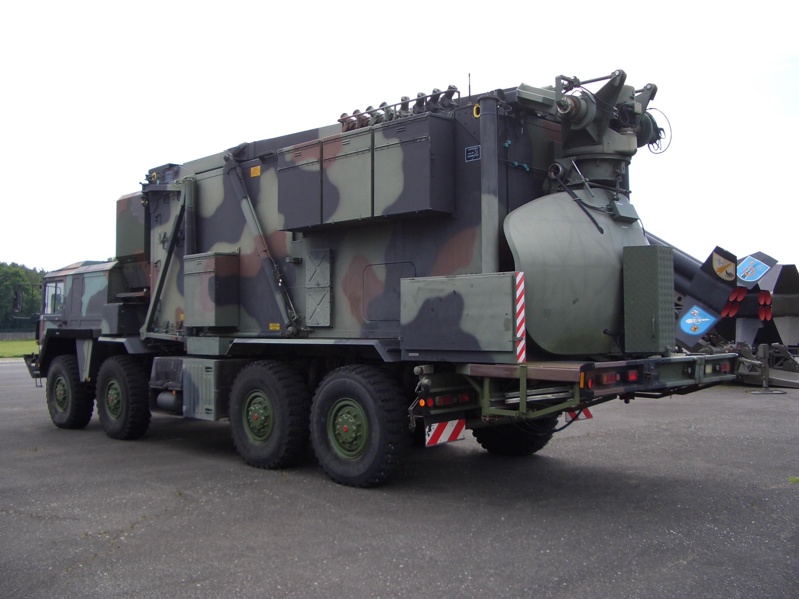 Mobiles_Radar_auf_LKW.jpg