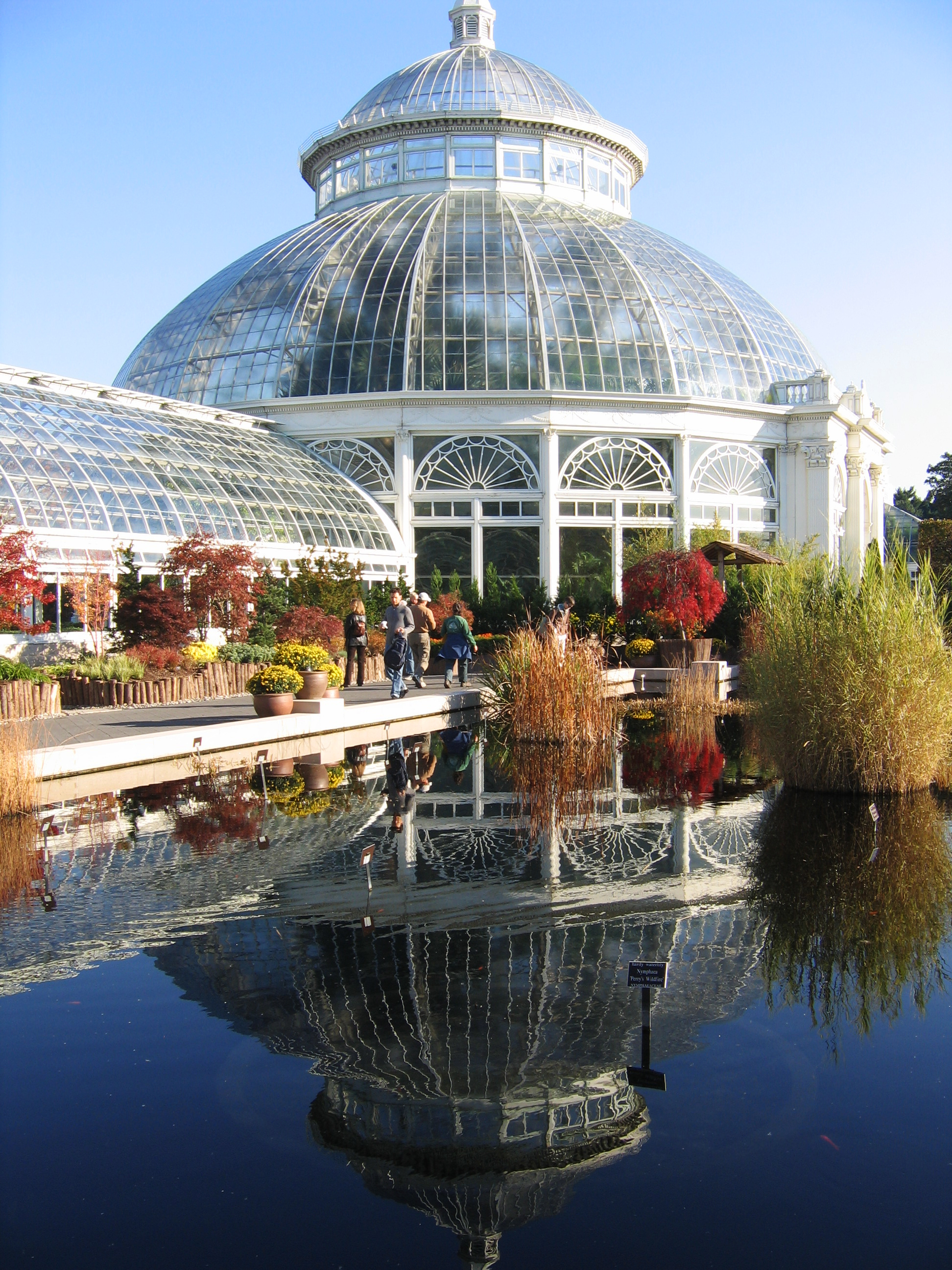 Best gardens to visit in may drive the nation - New york botanical garden parking ...