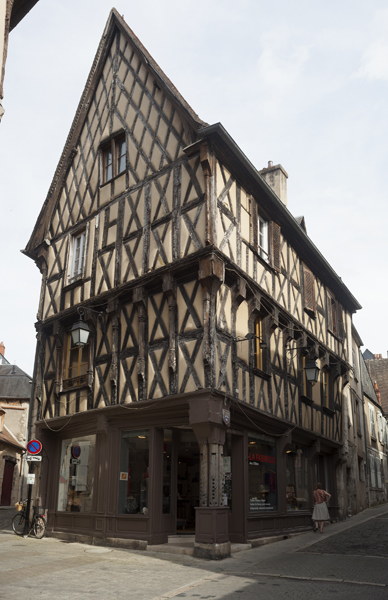 File:PM 103568 F Bourges.jpg