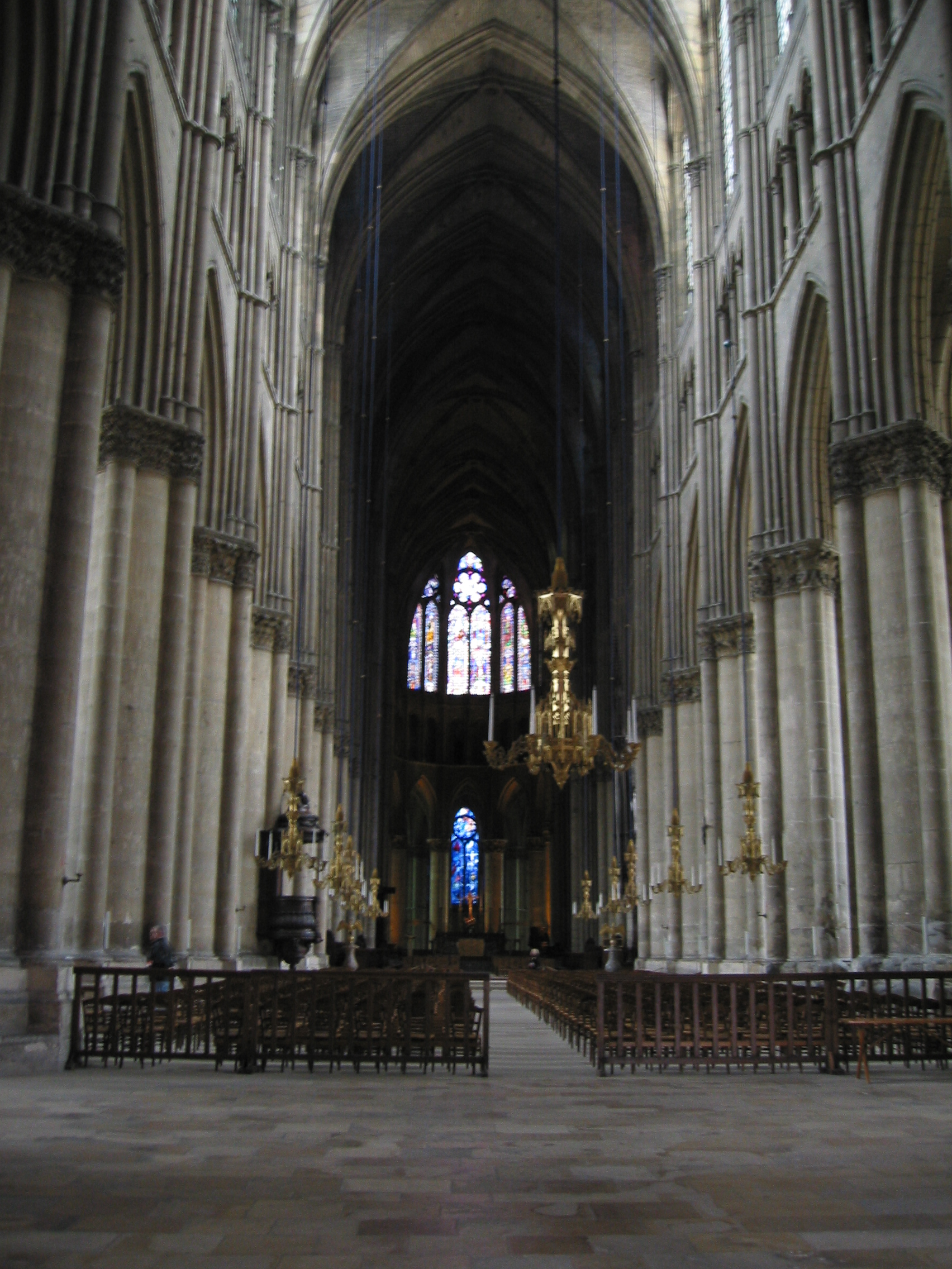 File:Reims Cathedral, interior (1).jpg - Wikimedia Commons