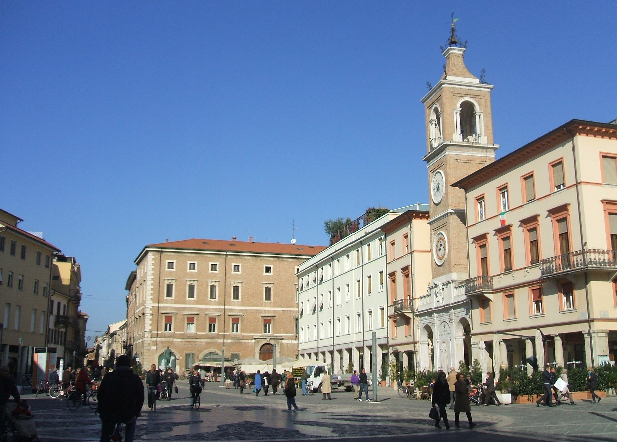 how to get to rimini from london