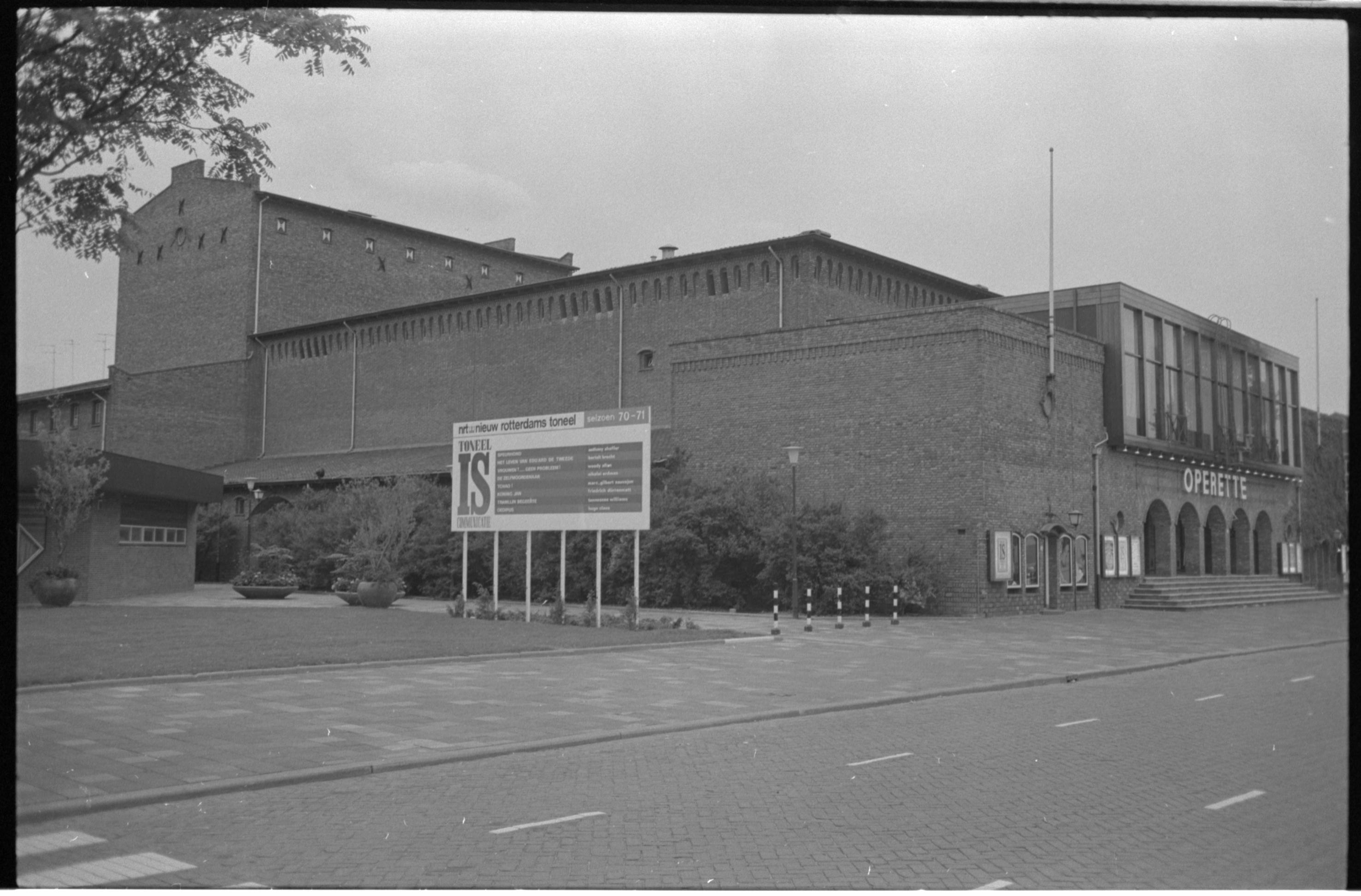 Rotterdamse Schouwburg.jpg