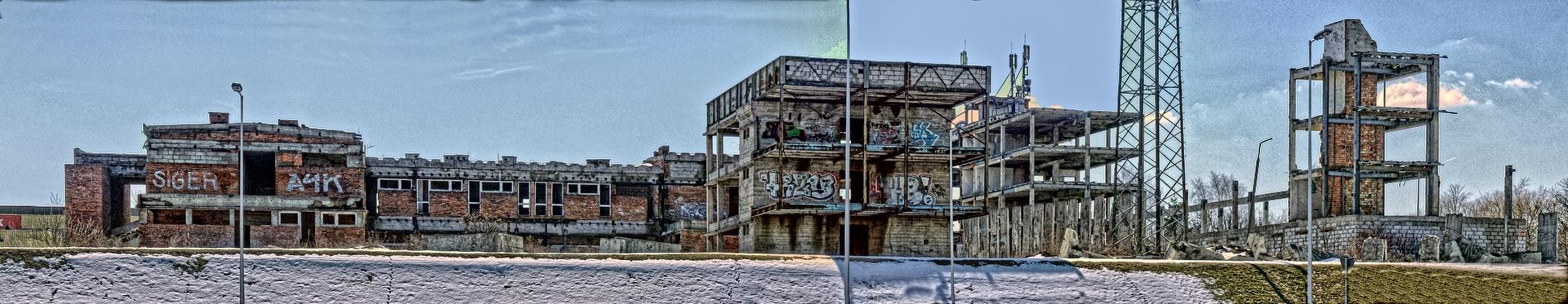 Ruiny odlewni, kwiecień 2013, widok panoramiczny