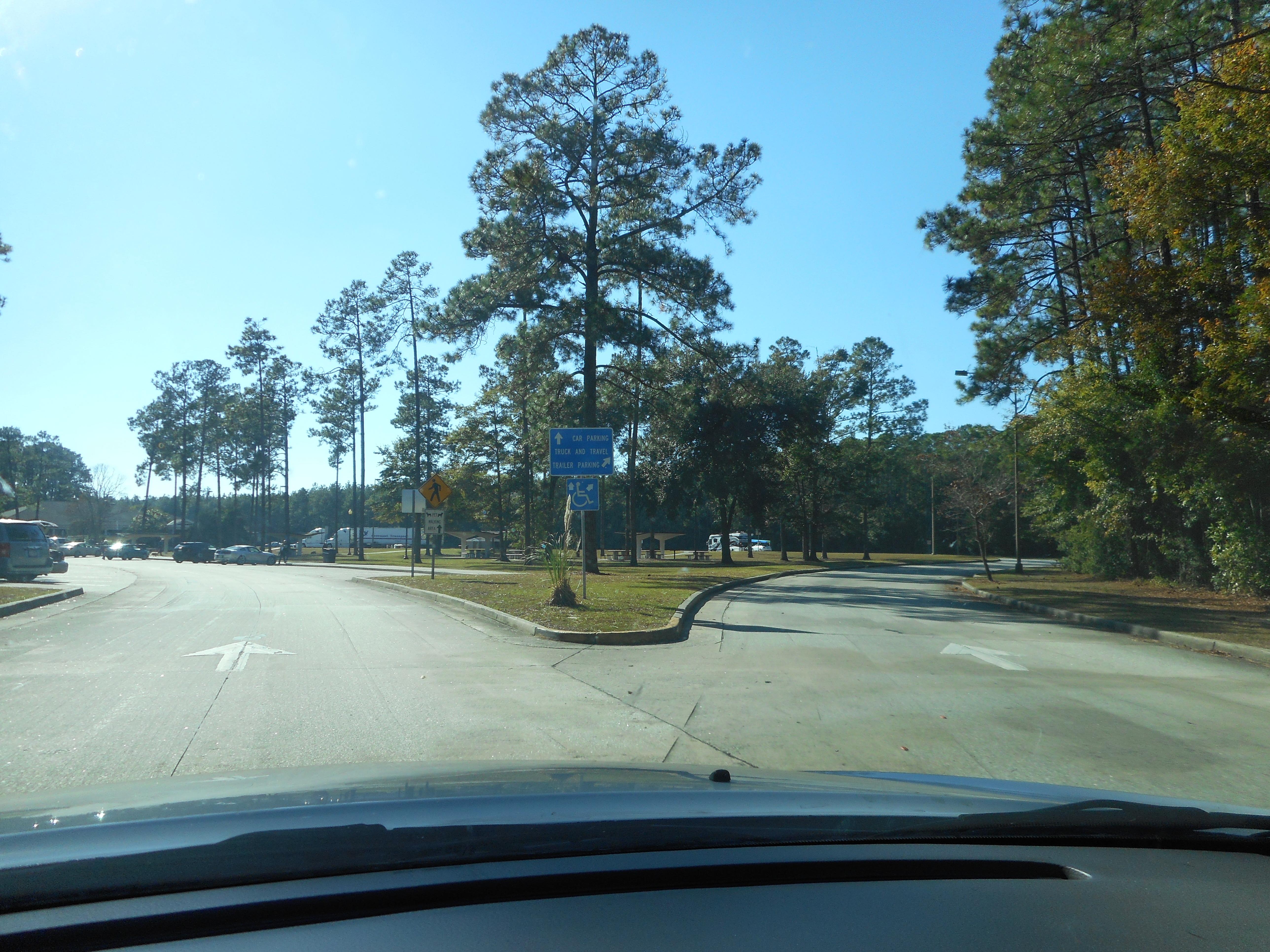 Filesb I 95 Glynn County Ga Rest Area Car Vs Truck Bus