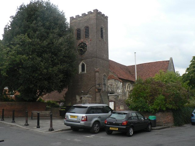 Shepperton, parish church of St. Nicholas - geograph.org.uk - 558728