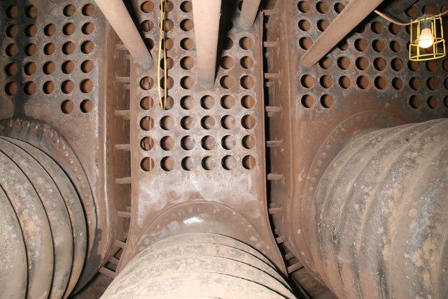 File:Steam tug Daniel Adamson - inside the Scotch boiler - geograph ...
