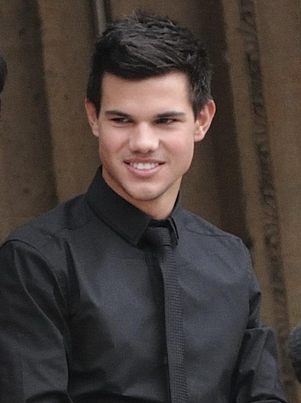 File:Taylor Lautner Paris.jpg - Wikimedia Commons
