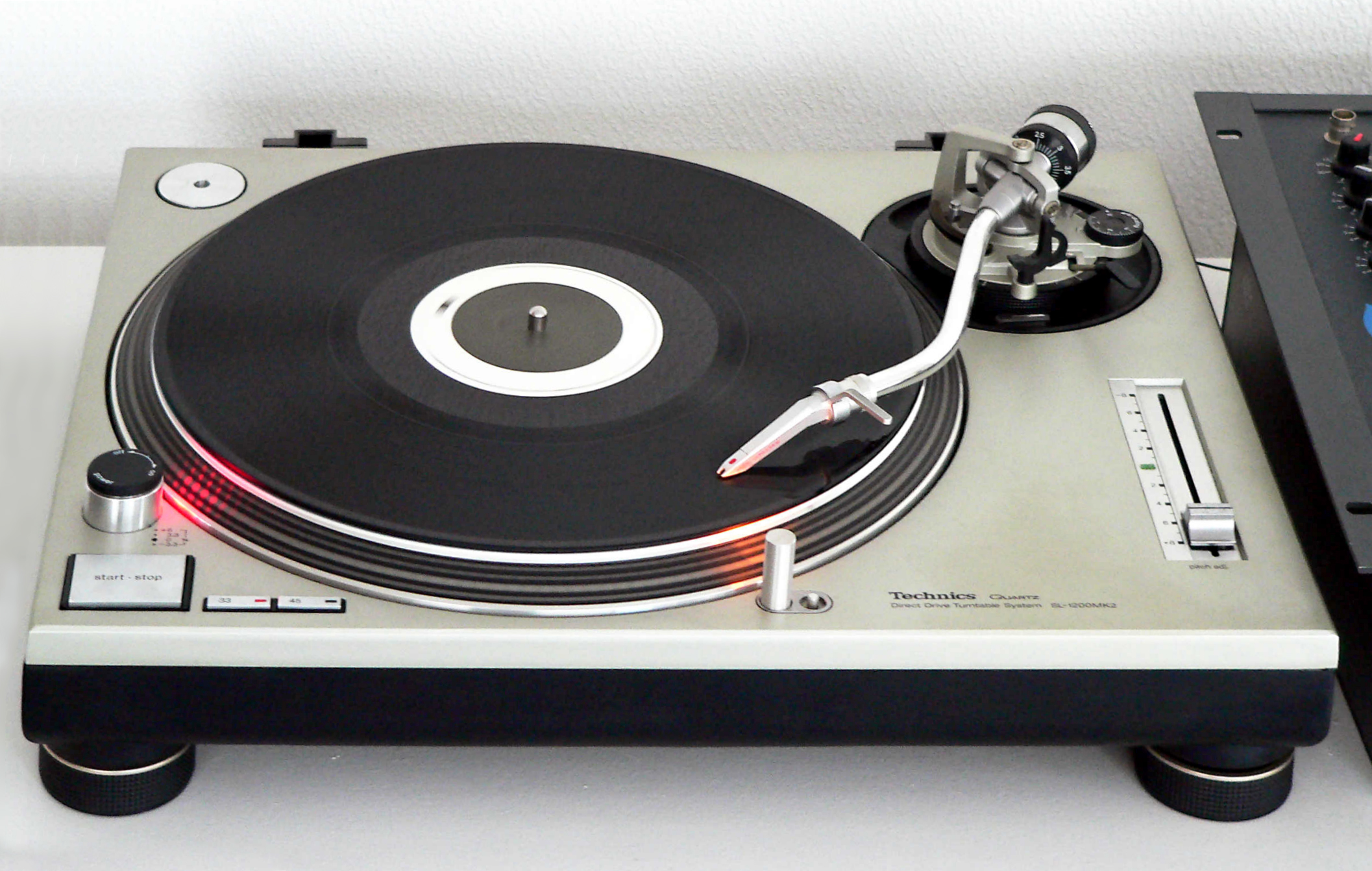 Technics sl-1210 m5g grandmaster 30th anniversary edition.