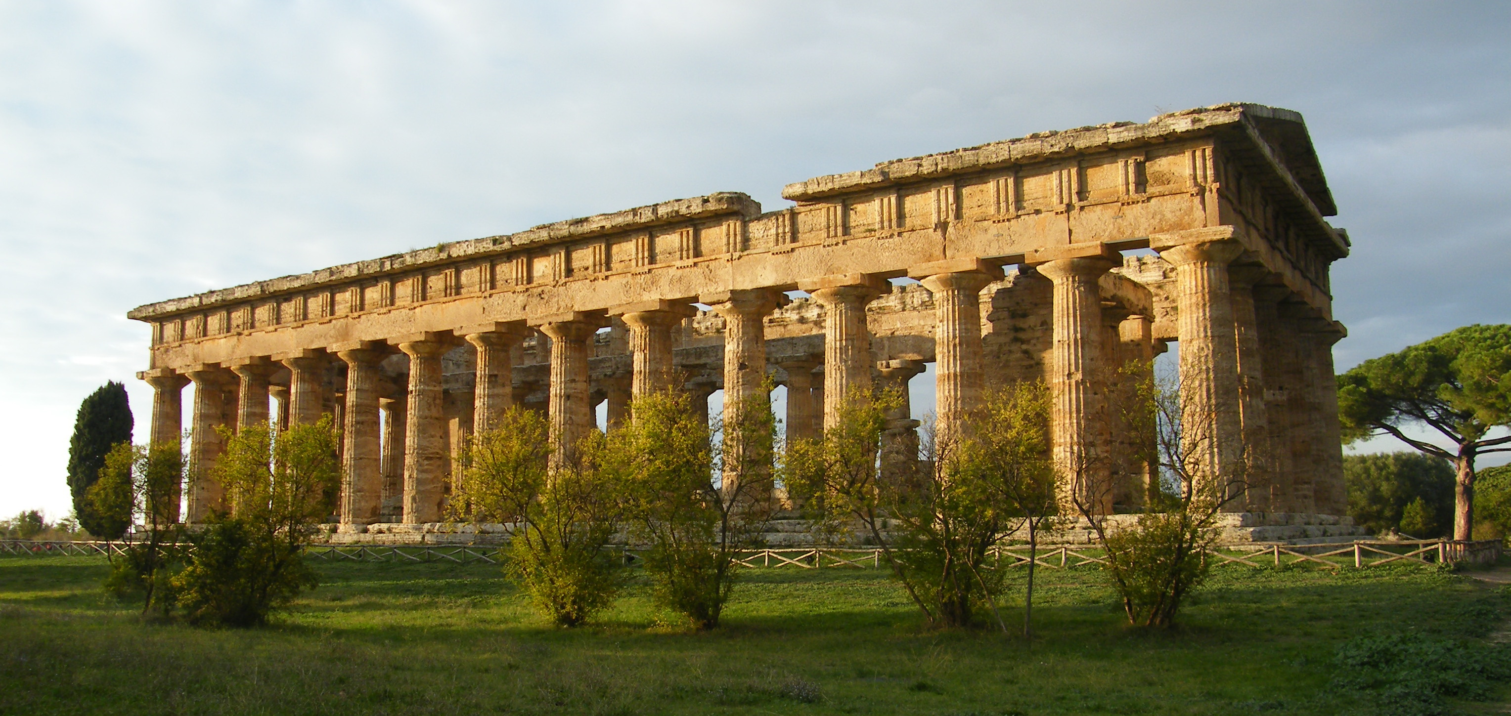 File:Temple of Poseidon (Paestum) 3.jpg