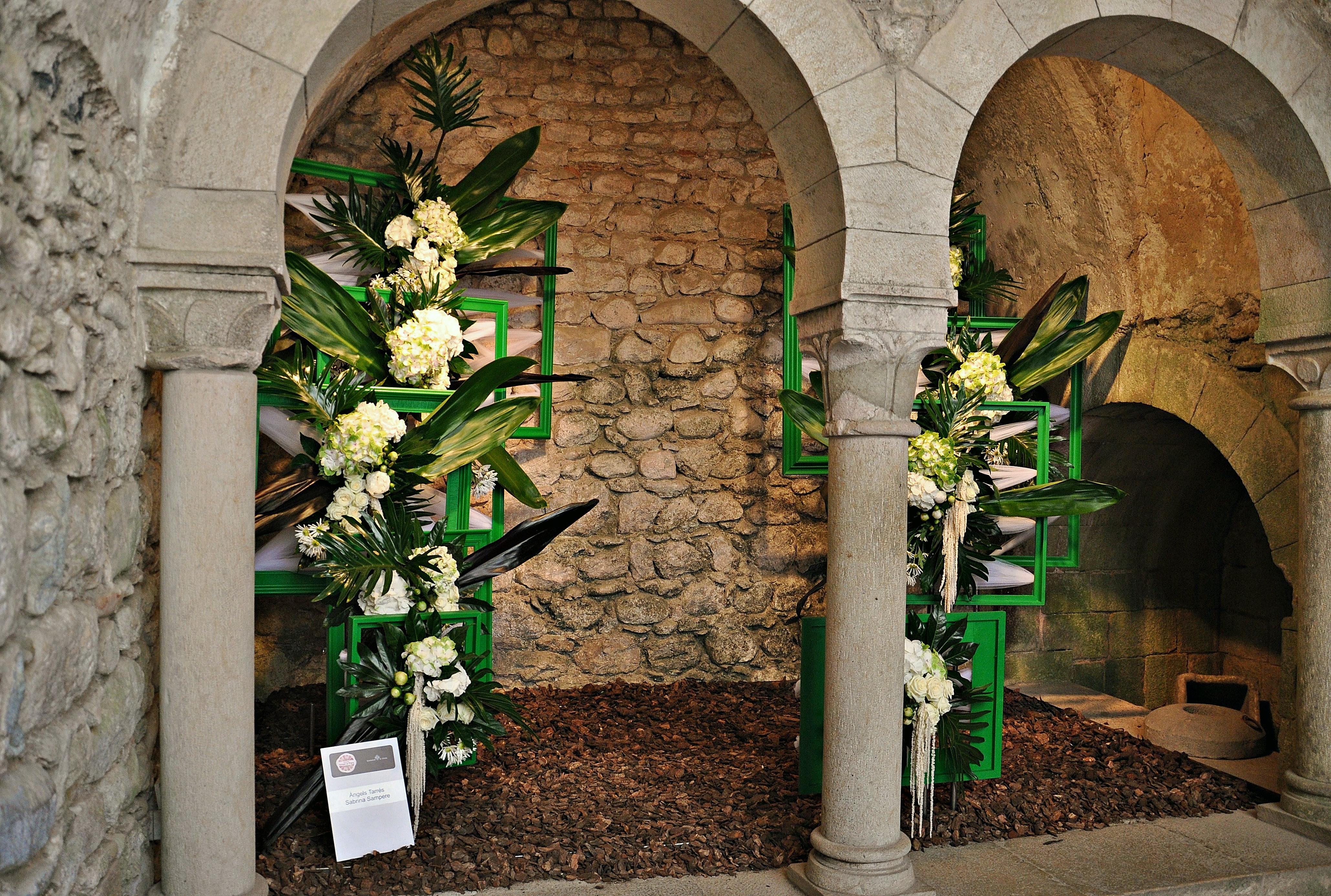 File temps de flors ba os arabes girona 2013 jpg wikimedia commons - Banos arabes de girona ...