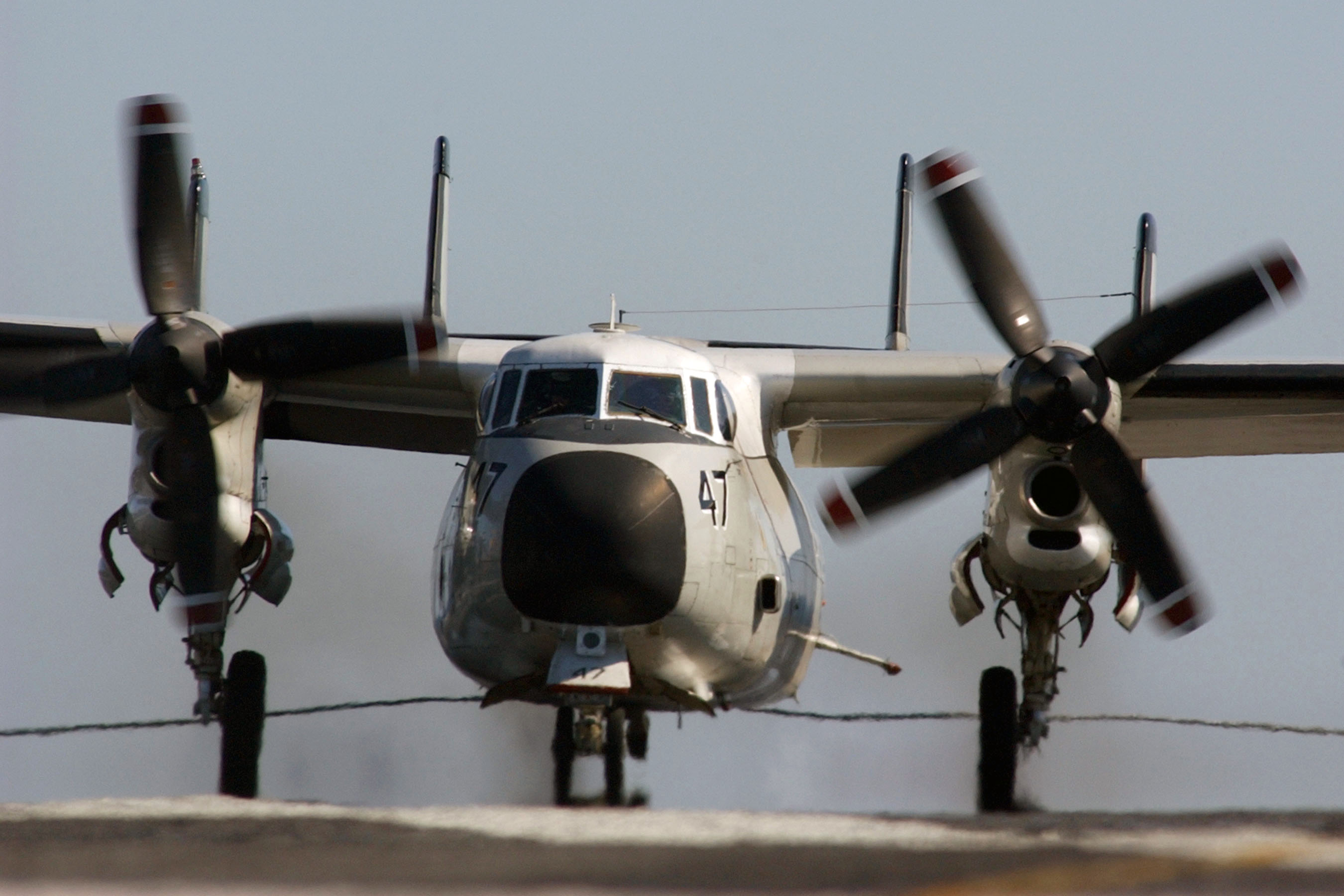 File:US Navy 040428-N-4953E-002 A C-2 Greyhound assigned to the ...