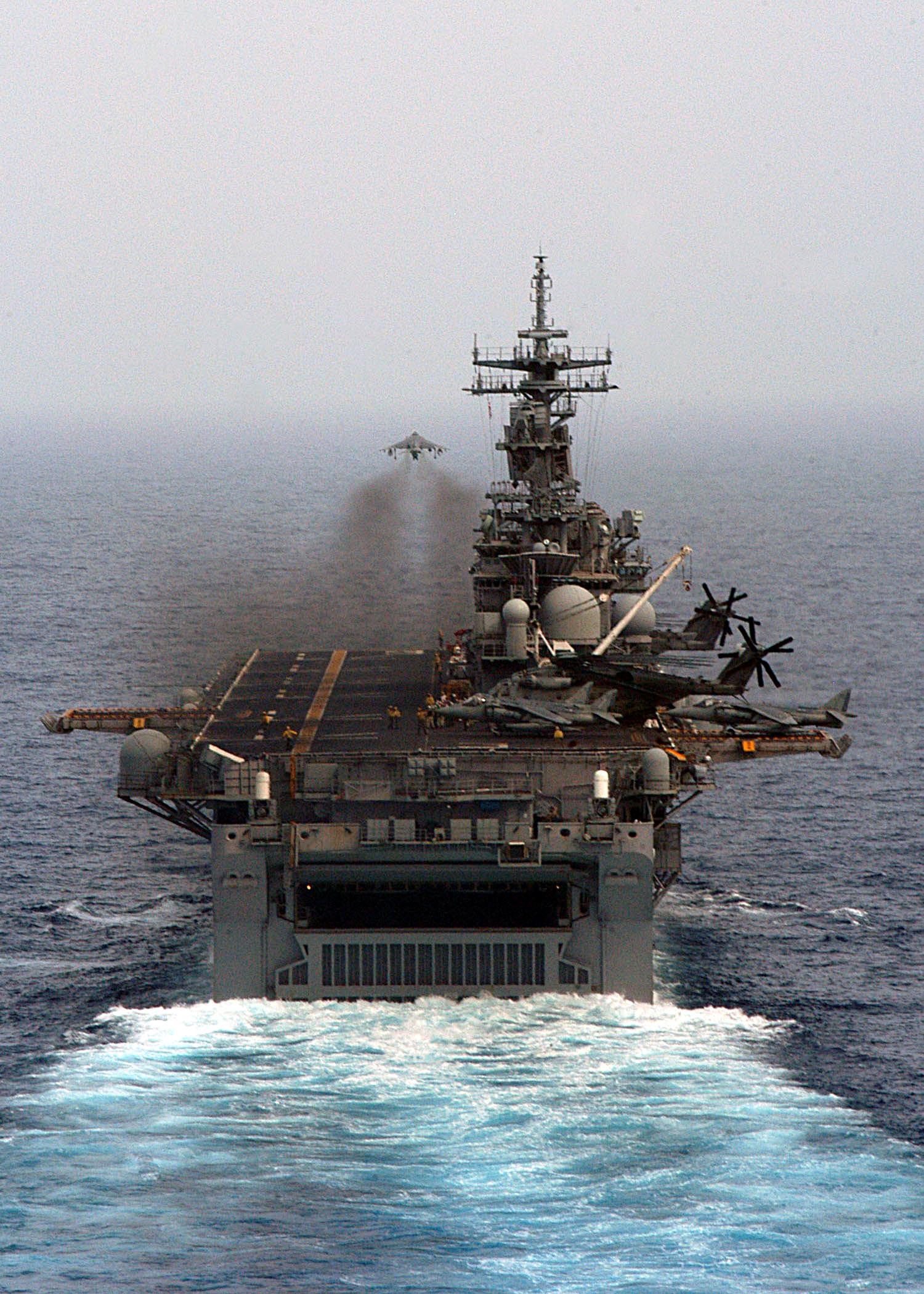 K Marine Viii USS Kearsarge (LHD-3)