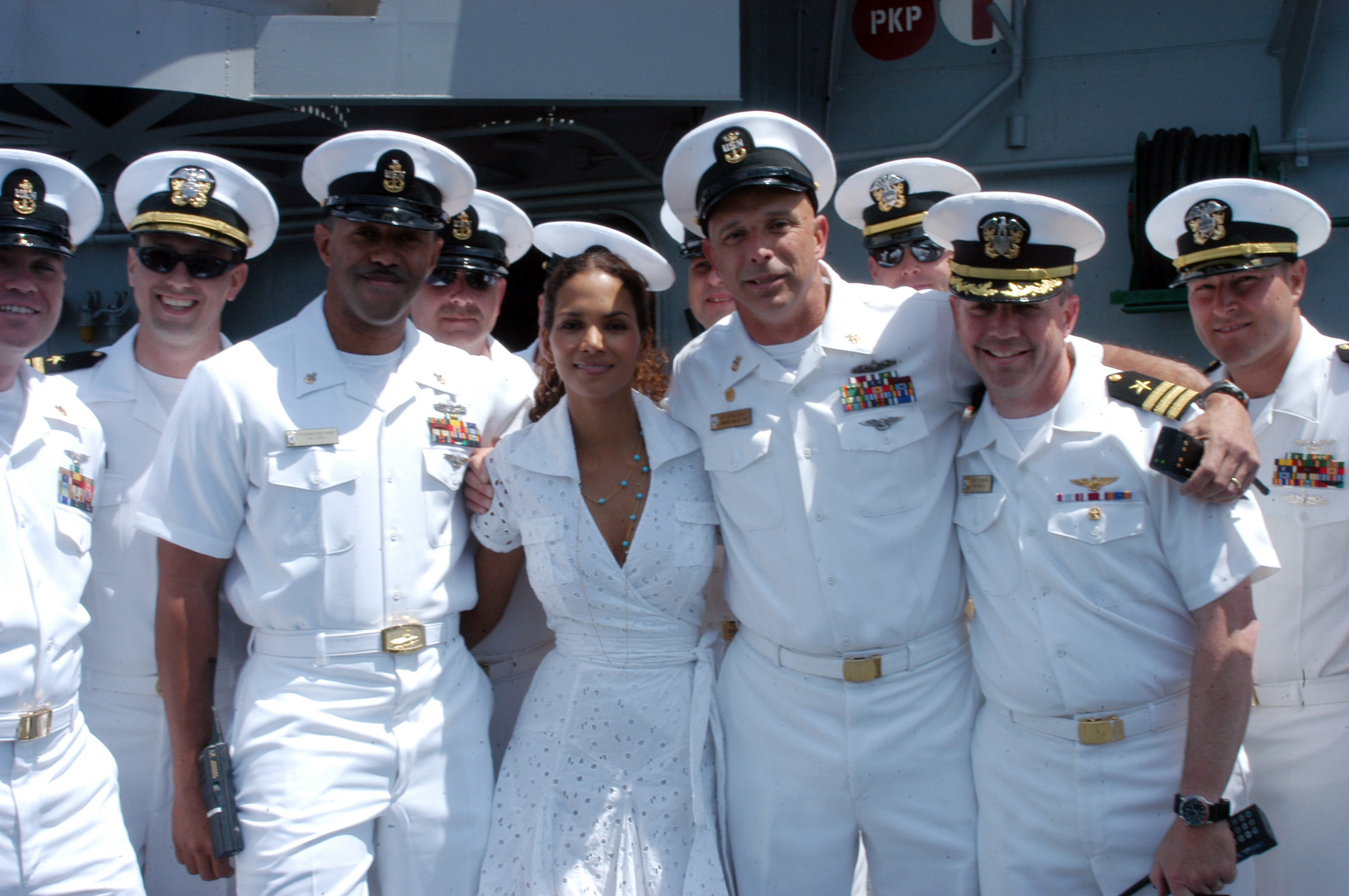 File:US Navy 060524-N-1371G-269 U.S. Navy Fleet Week New York 2006 ...