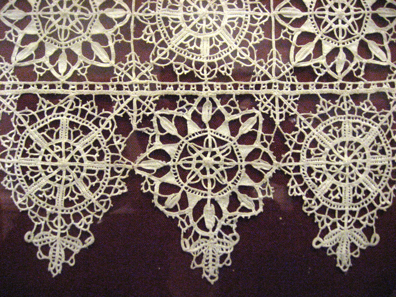 Lace Pattern Wedding Cake