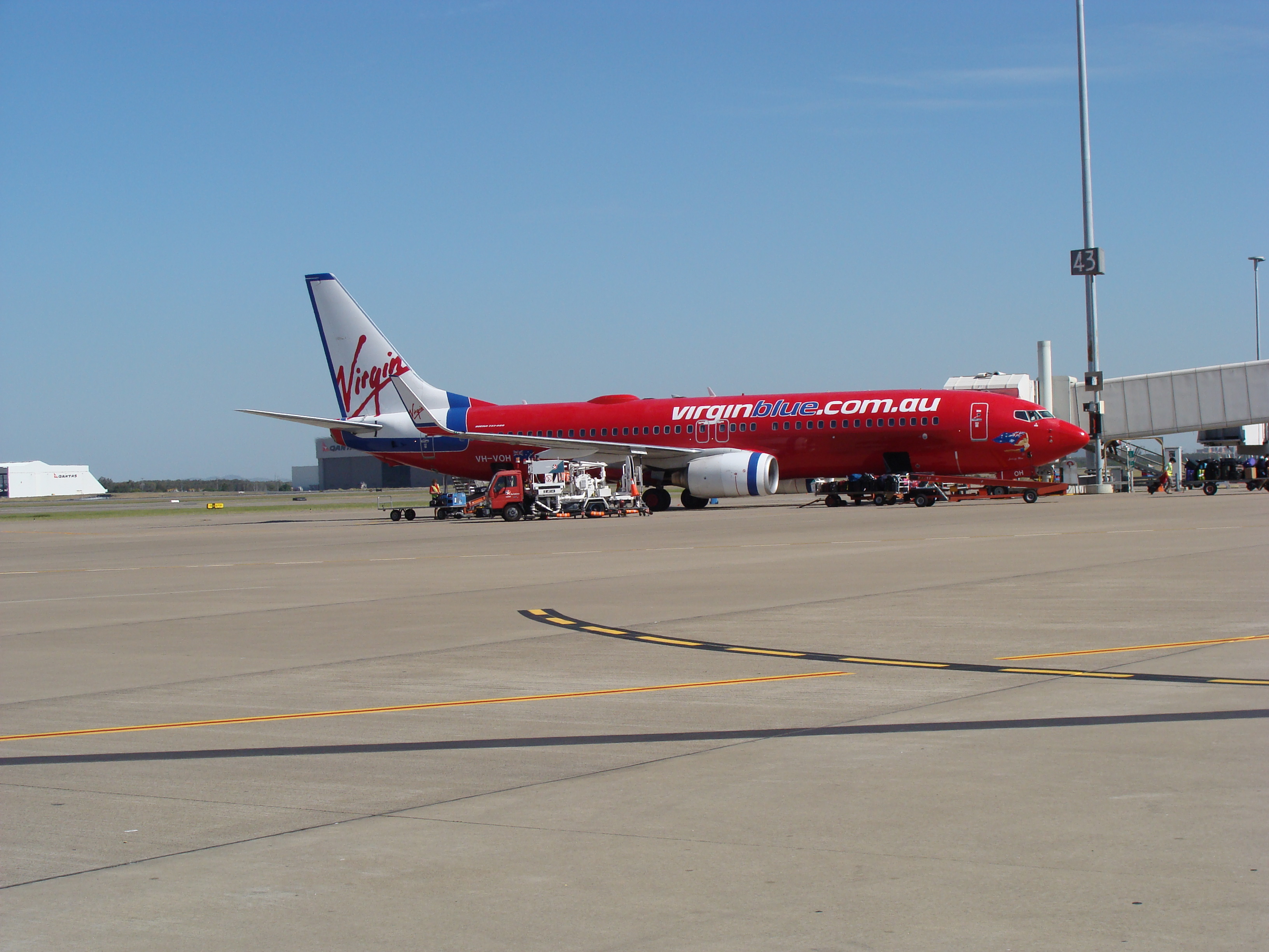 File:Virgin Blue plane at the Gold Coast Airport jpg