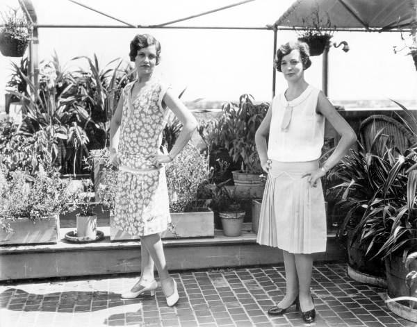 Women modeling fashion on Burdine's roof- Miami, Florida (6984431181)