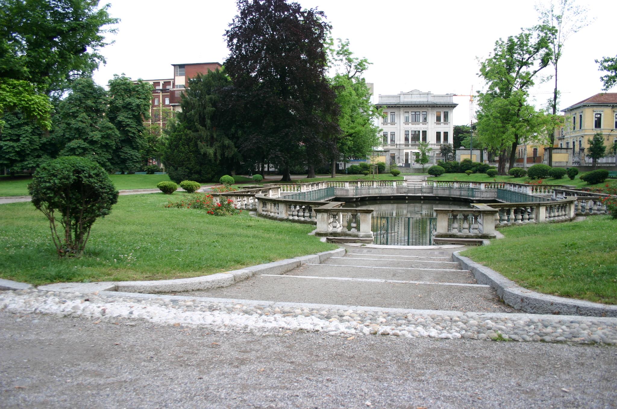 File 0711 milano giardini della guastalla foto for Via giardini milano