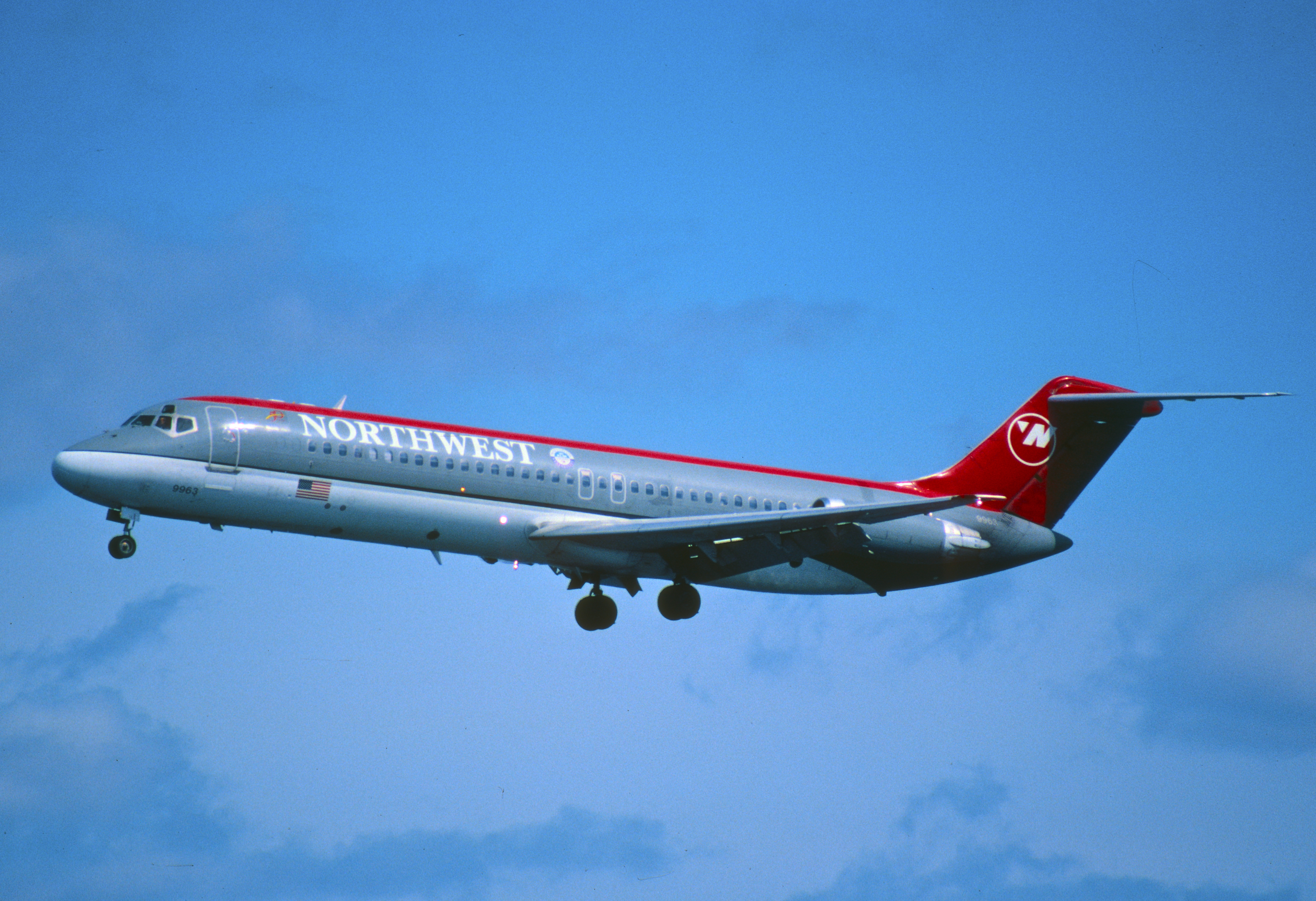 Classic dc 9 30 northwestairlines for Northwest classic
