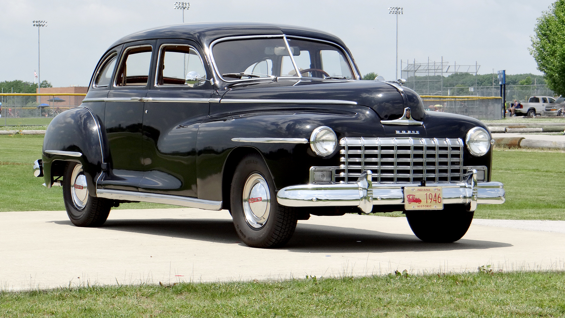 file 1946 dodge d24c 4 door sedan 274 jpg