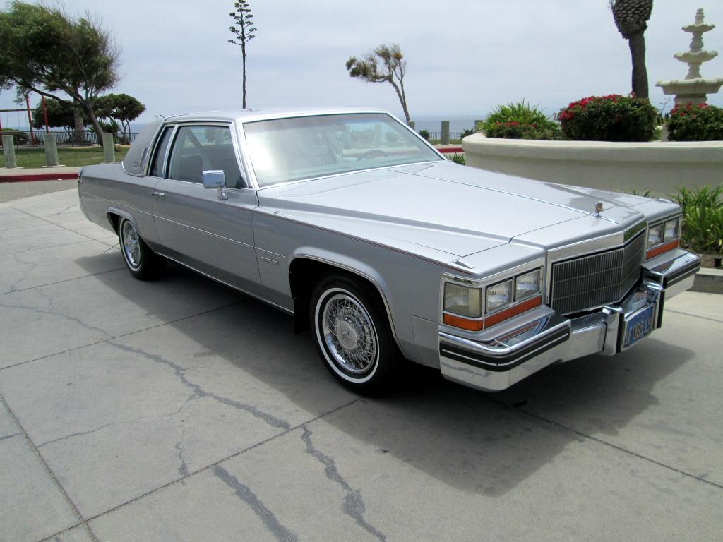 File:1982 Cadillac Coupe DeVille fvr.jpg - Wikimedia Commons