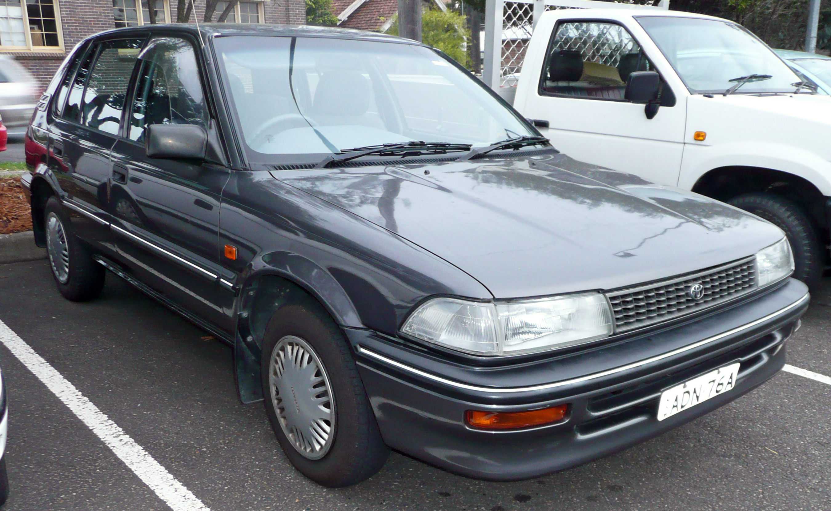Description 1991-1992 Toyota Corolla (AE94) CSi 5-door hatchback (2009 ...