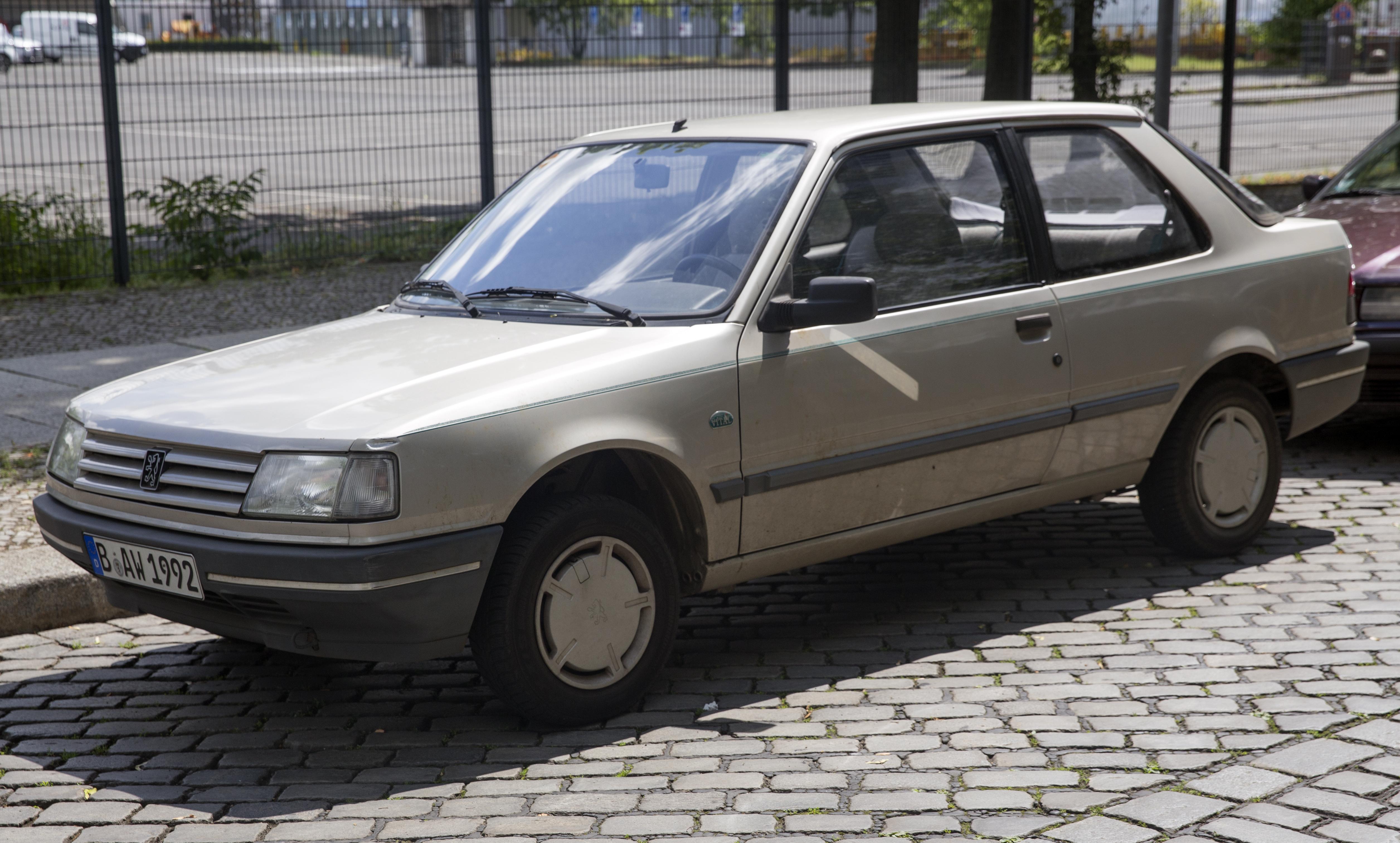 File 1992 Peugeot 309 Vital Front Left Jpg Wikimedia Commons