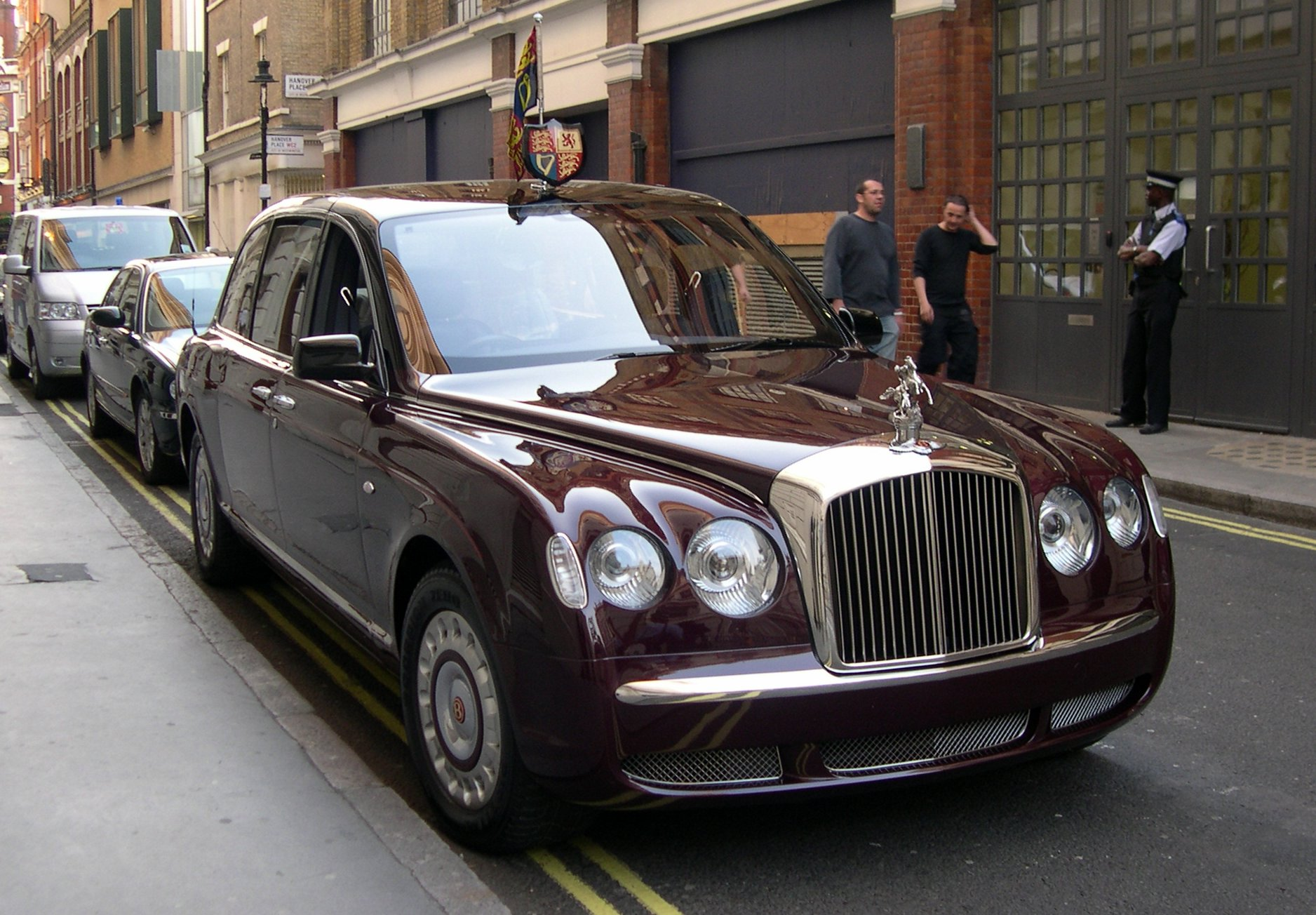 Bentley Continental Dimensions >> Bentley State Limousine - Wikipedia