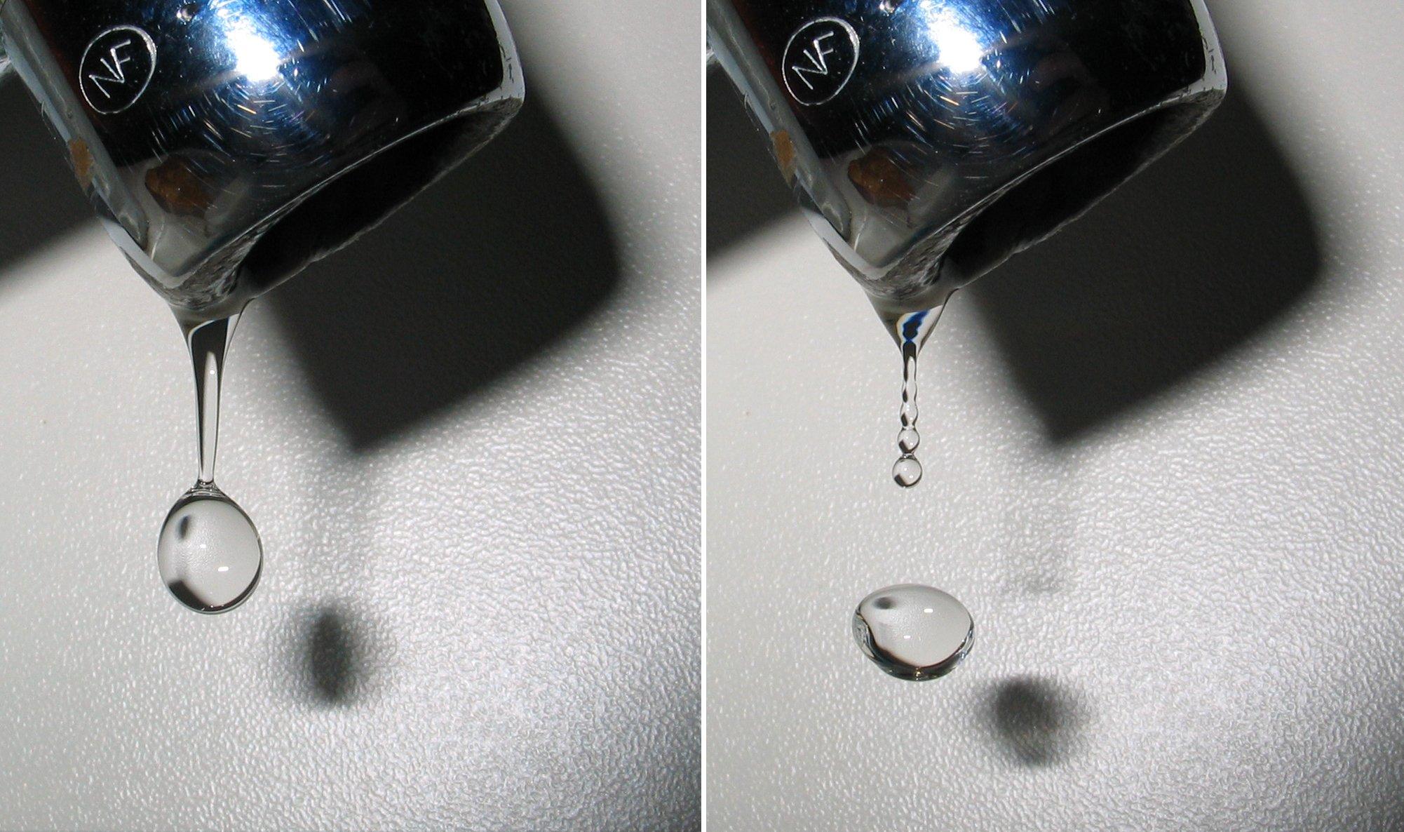 Gotas de agua, saliendo de un grifo. Se puede comprobar claramente sus diversas formas.