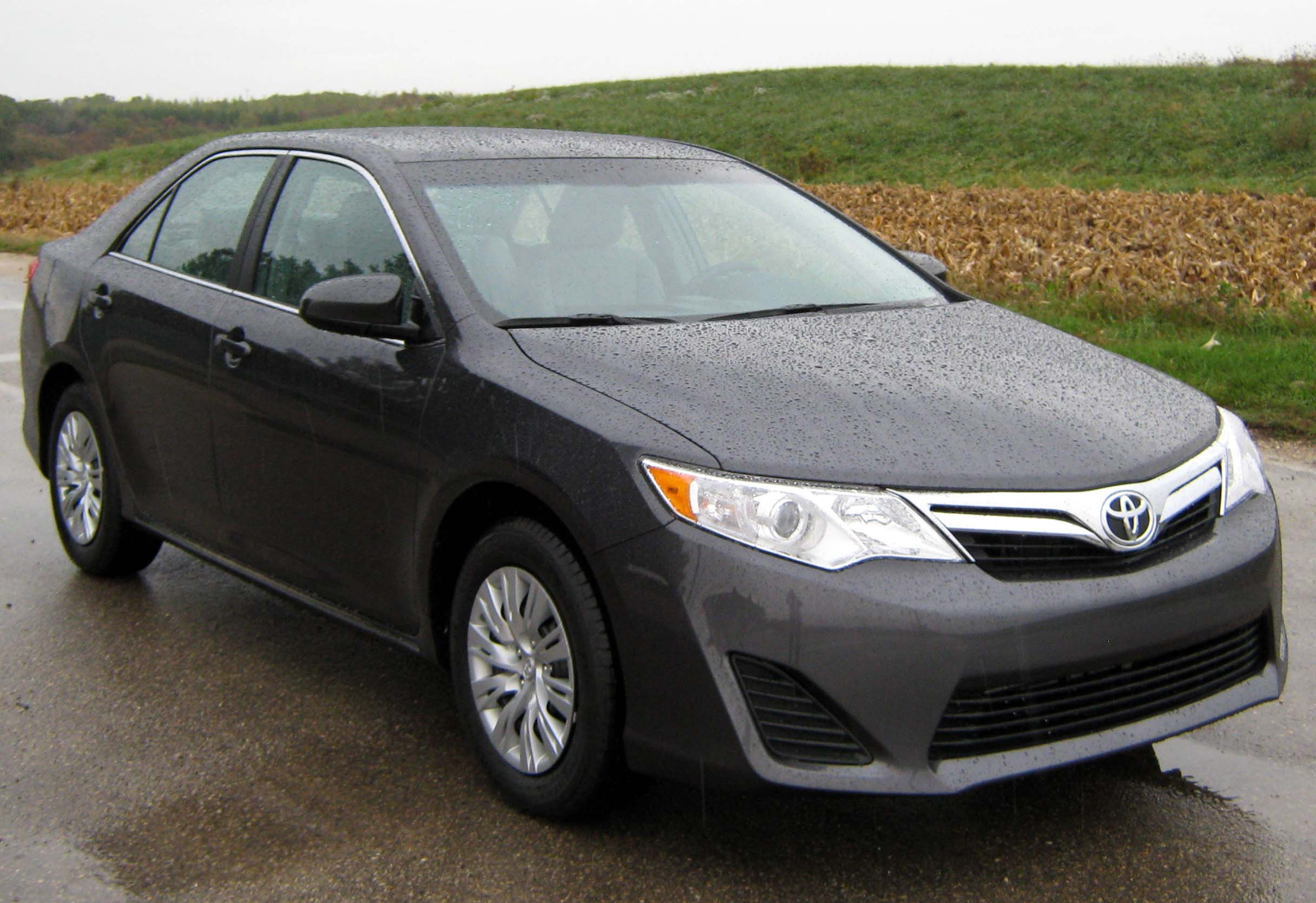 file 2012 toyota camry le nhtsa wikimedia commons. Black Bedroom Furniture Sets. Home Design Ideas