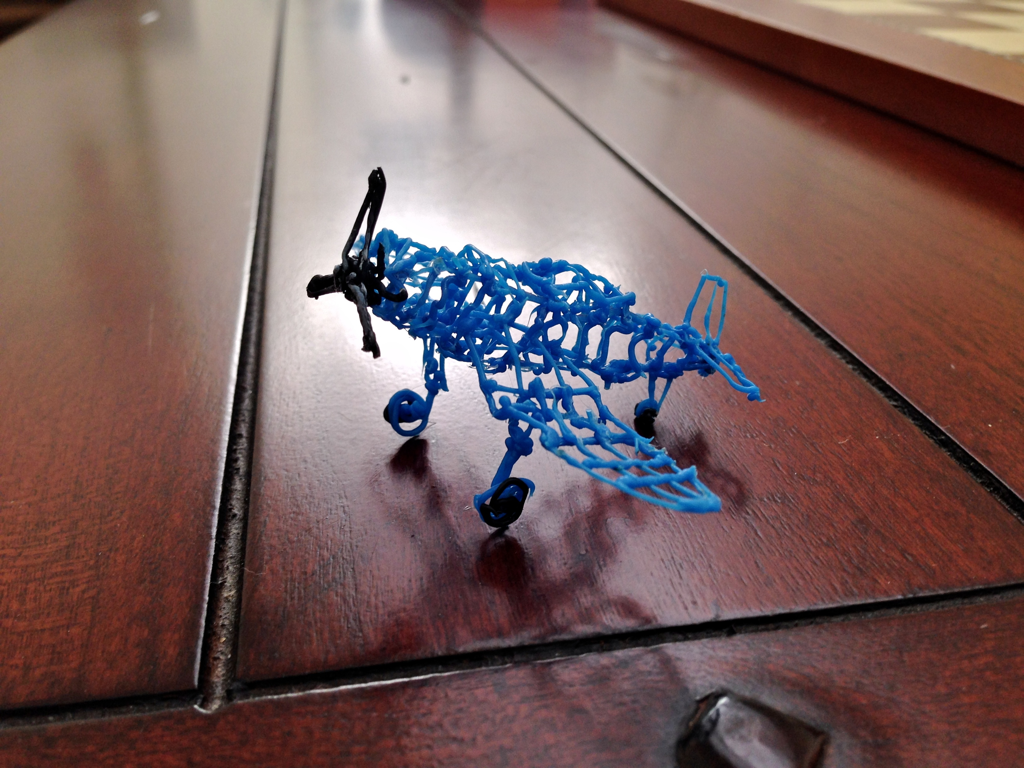 File 3Doodler Corsair on Coffee Table FRD 2053 Wikimedia mons