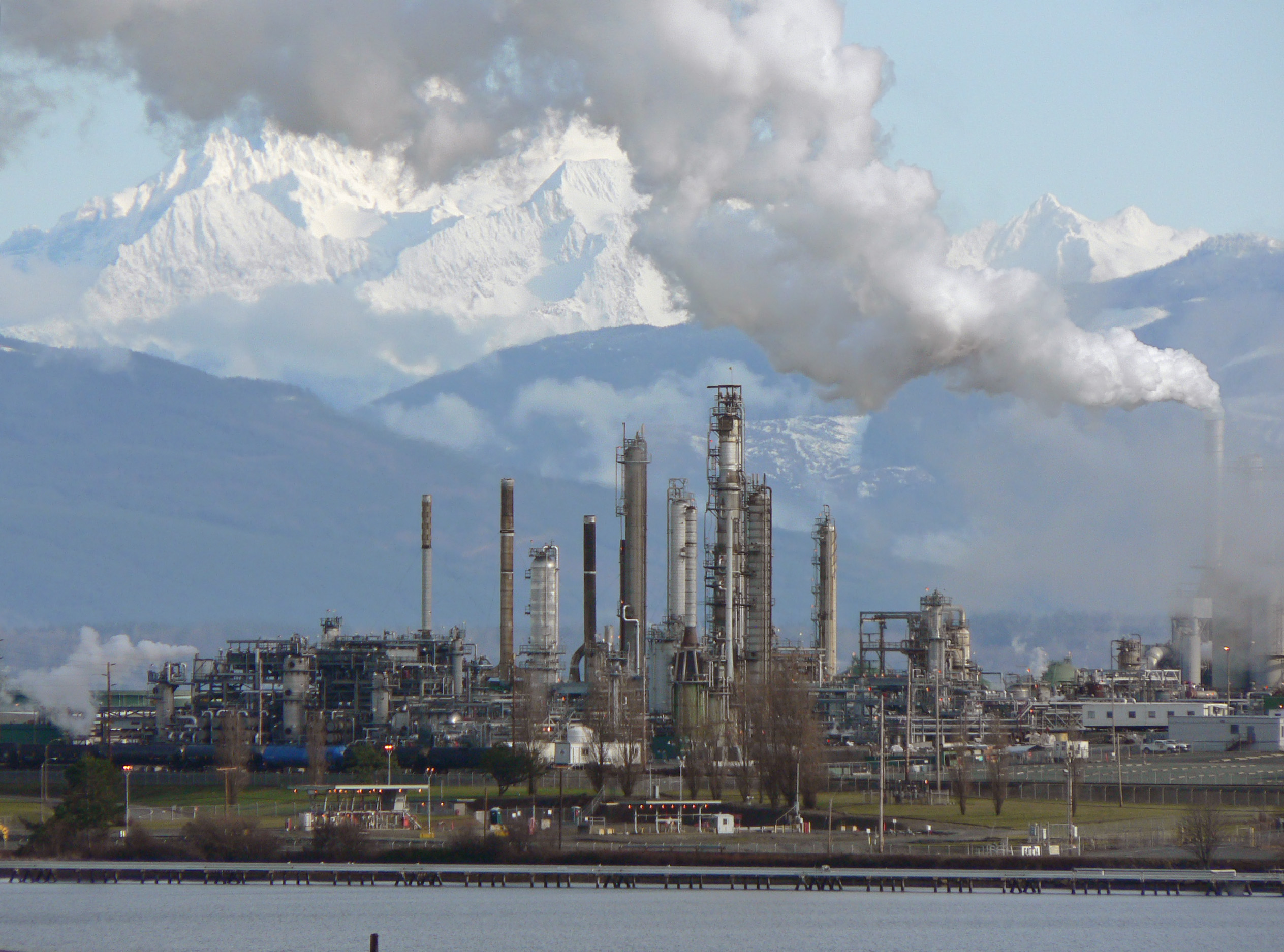 Oil refinery - Wikipedia