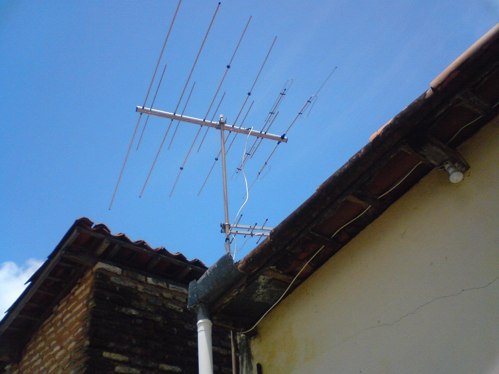 File antena wikimedia commons - Antena de television ...