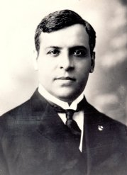 Aristides de Sousa Mendes, between 16 and 23 June 1940, frantically issued Portuguese visas, free of charge, to over 30,000 refugees seeking to escape the Nazi terror.