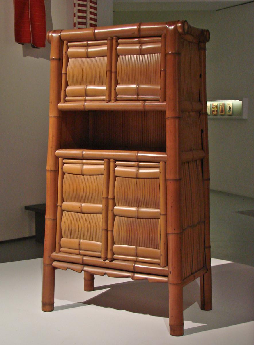armoire en bambou lesprit mingei mus e du quai. Black Bedroom Furniture Sets. Home Design Ideas