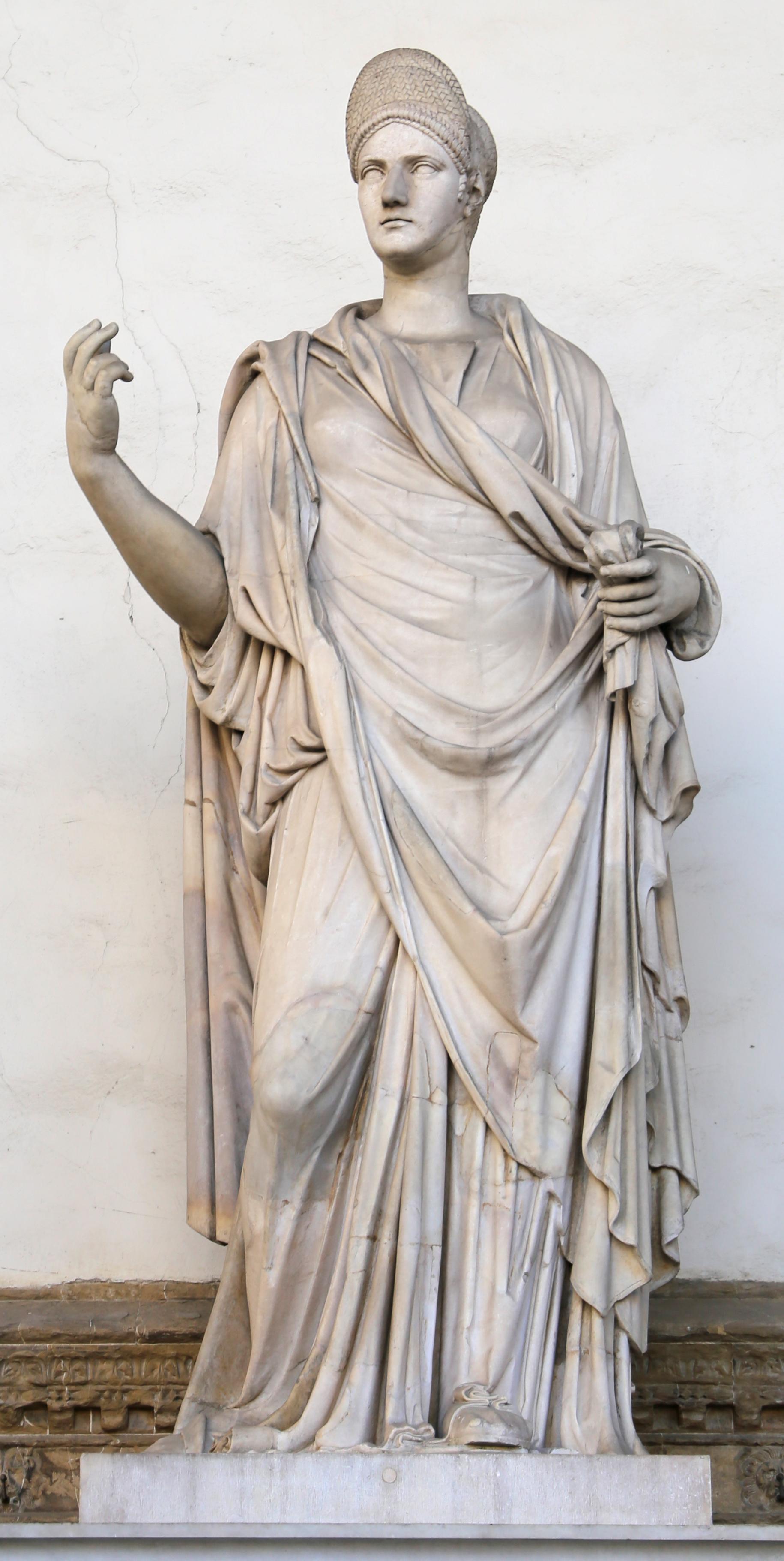 Arte romana, donna togata detta una 'sabina' con testa ritratto di matilda, 110 dc ca., con restauri moderni.jpg