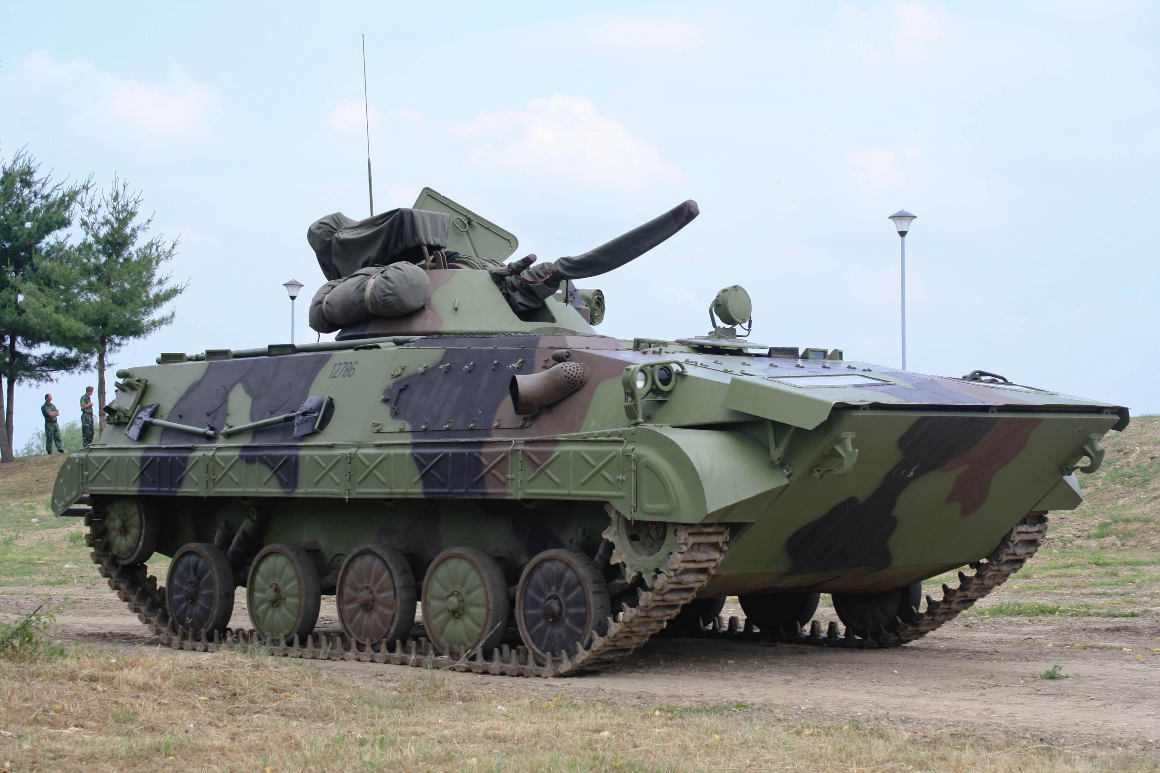 Preporod TRZ Bratunac, uz oklopna vozila rade se roboti za deminiranje i pištolji BVP_М80А_VS