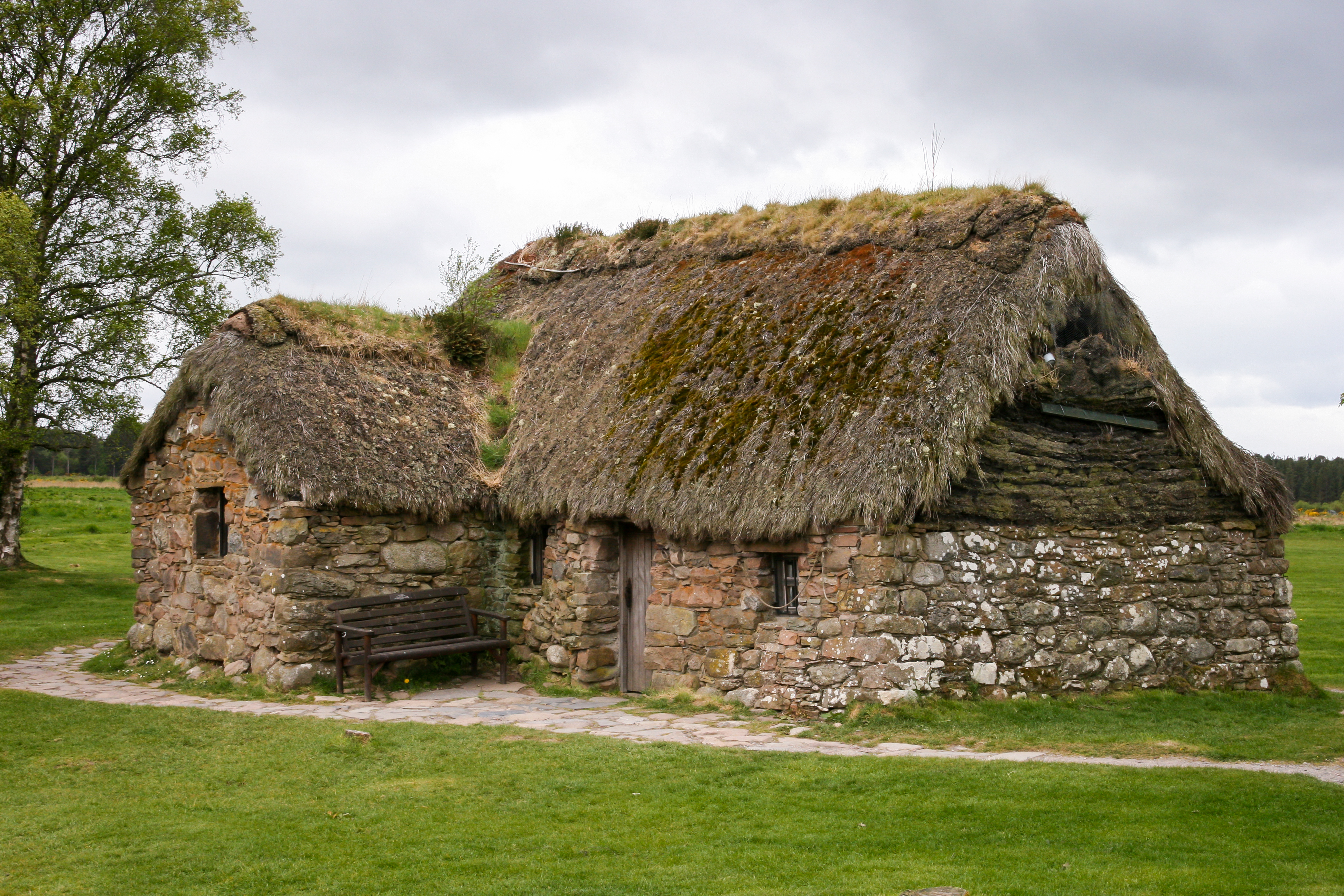 culloden online dating 18 - 19 august: culloden tower 2 september - auchinleck house 7 - 10 september - astley castle visiting landmarks  probably dating from the 1890s, .